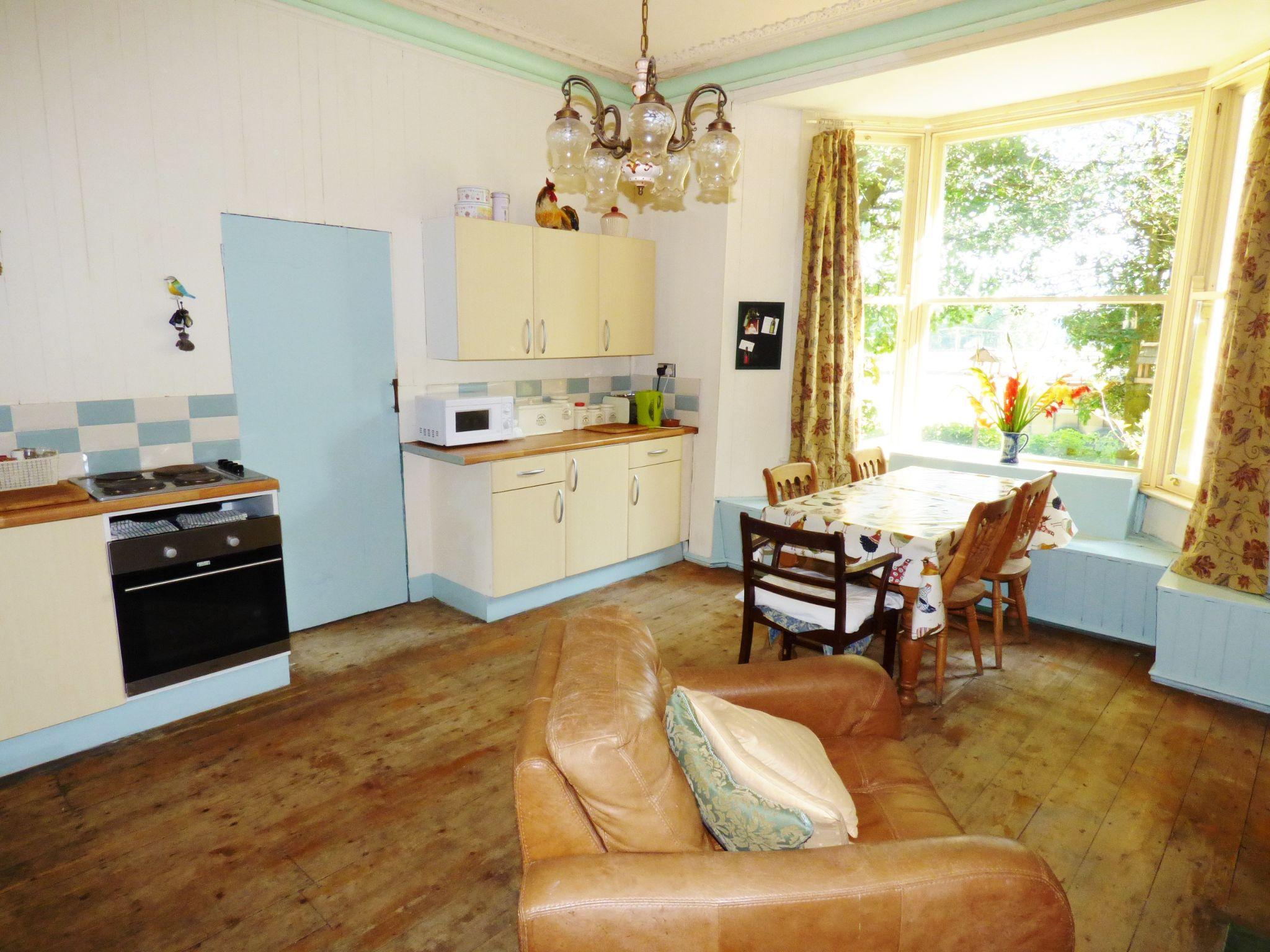 6 Bedroom Detached House For Sale - Dining Kitchen