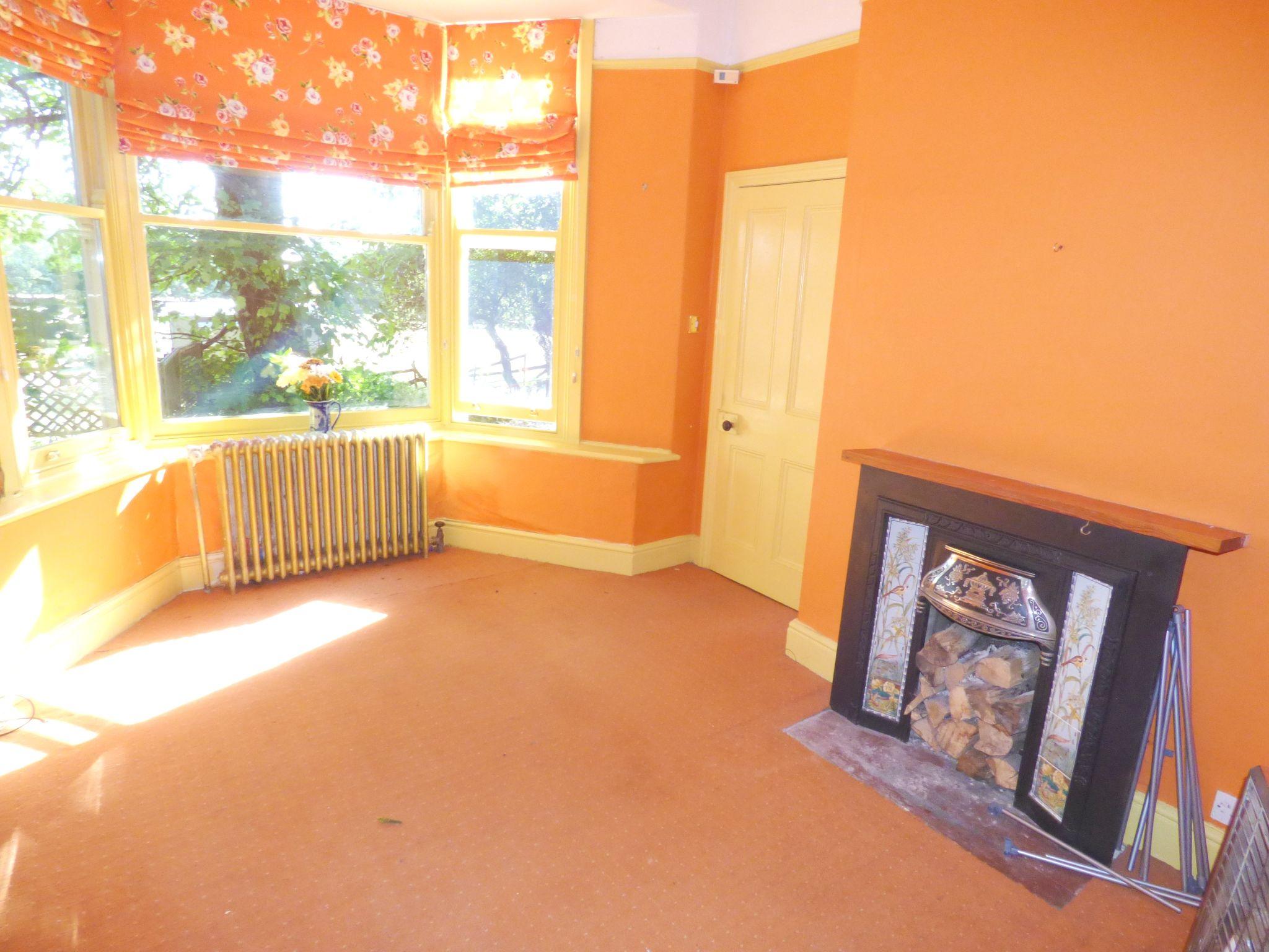 6 Bedroom Detached House For Sale - Cottage Lounge