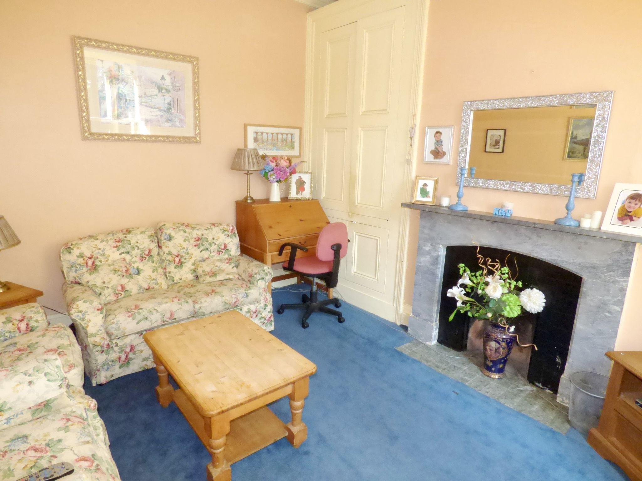 6 Bedroom Detached House For Sale - Sitting Room