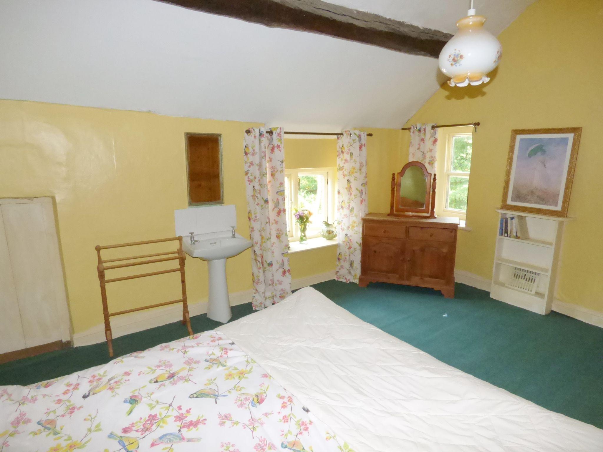 6 Bedroom Detached House For Sale - Bedroom Four