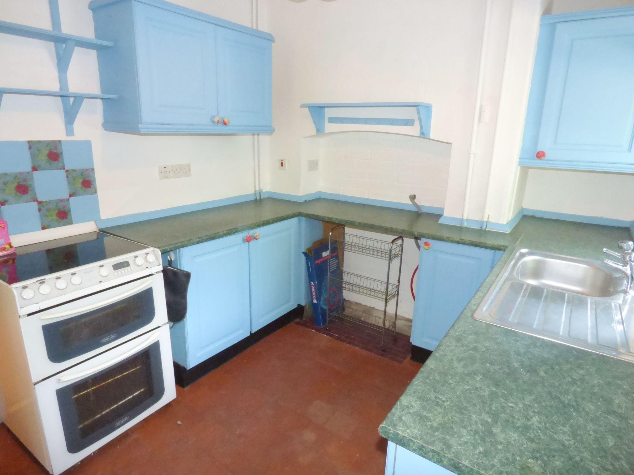 6 Bedroom Detached House For Sale - Cottage Kitchen