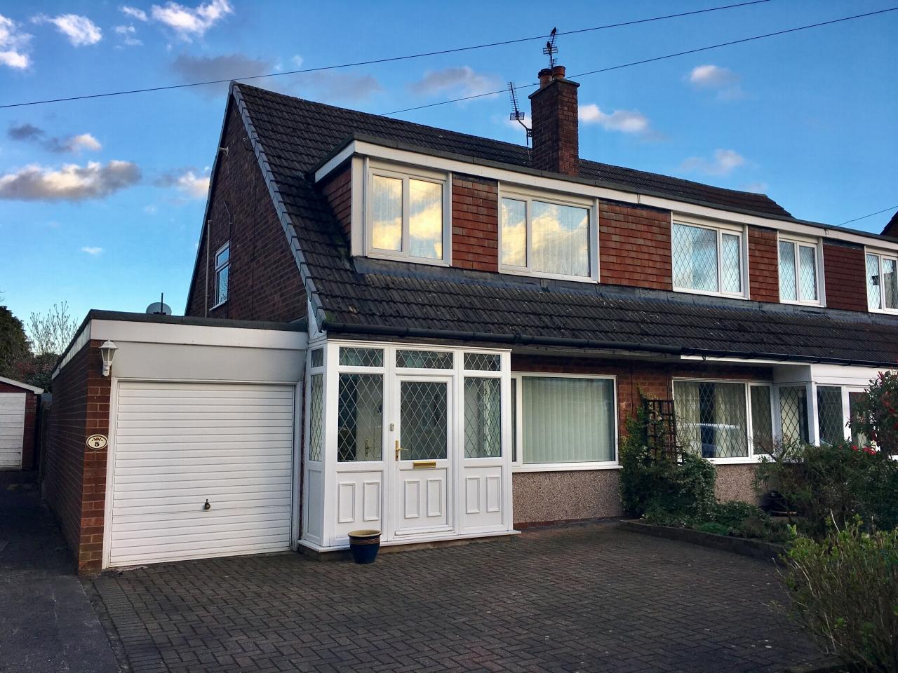 3 Bedroom Semi-detached House For Sale - Image 1