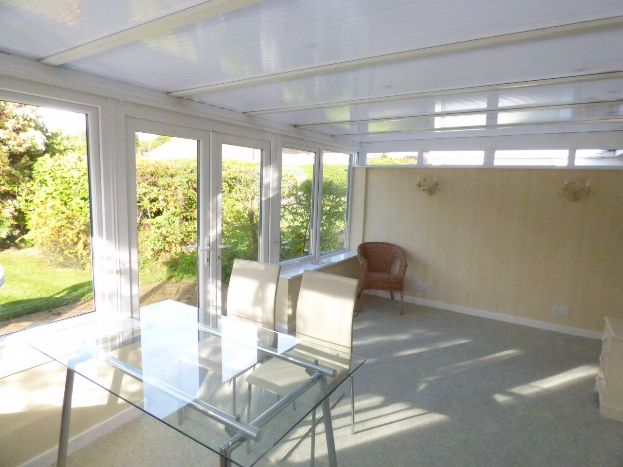 2 Bedroom Detached Bungalow Bungalow For Sale - Image 4