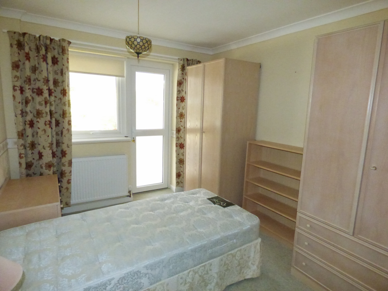 2 Bedroom Detached Bungalow Bungalow For Sale - Image 7