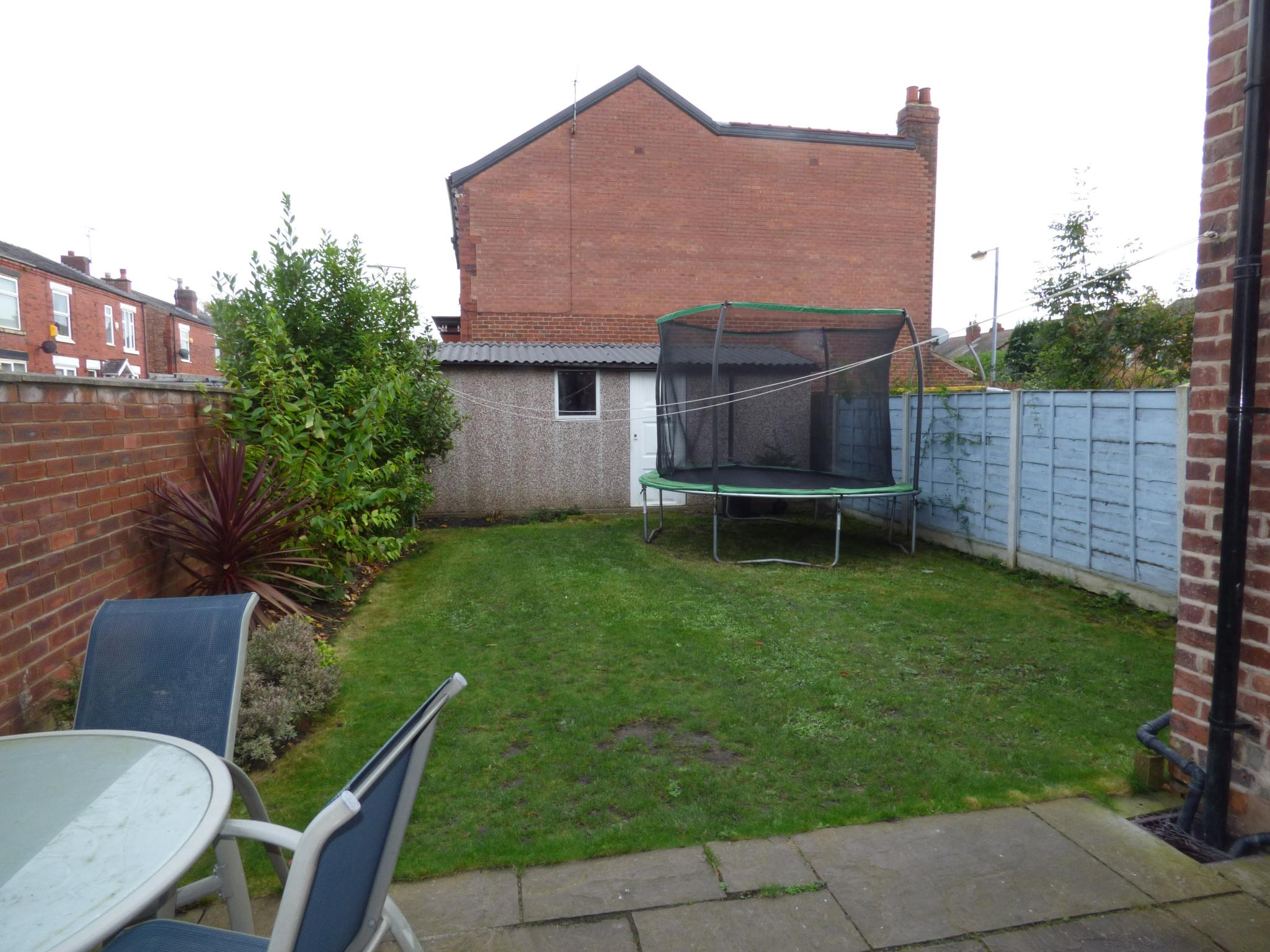 4 bedroom end terraced house for sale in 13 norwood road