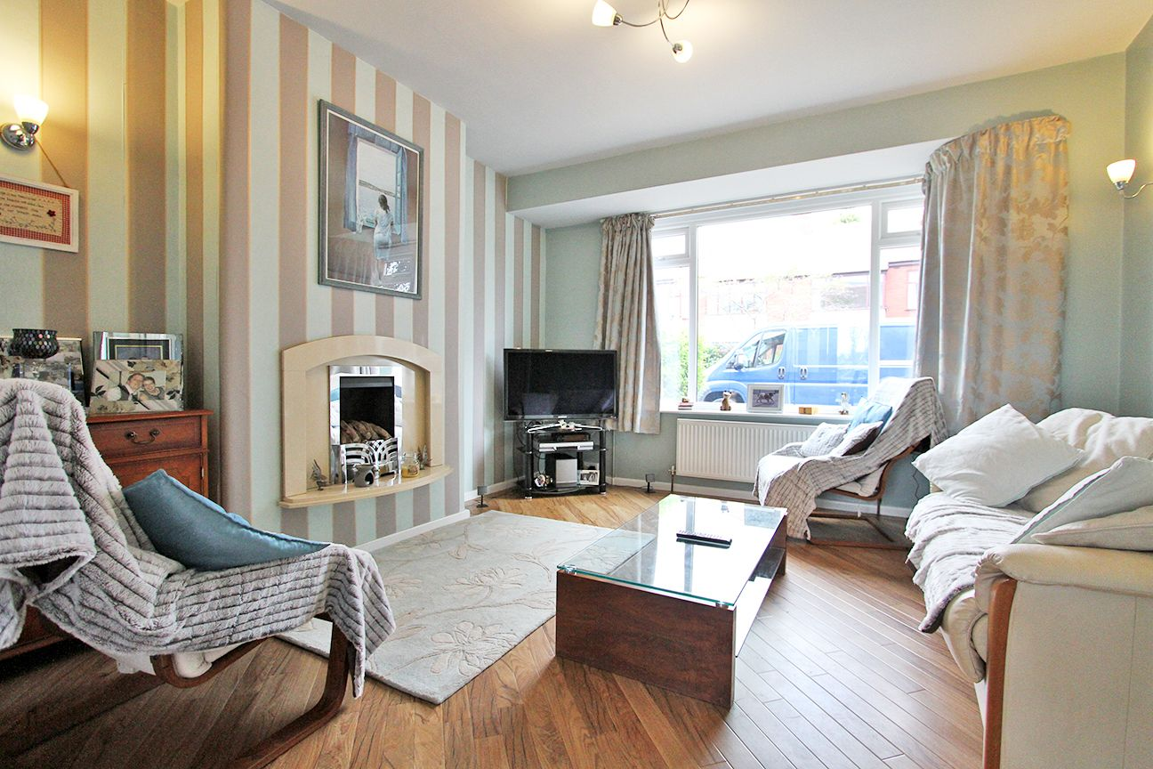 5 bedroom semi-detached house Sold in Wigan - Property photograph