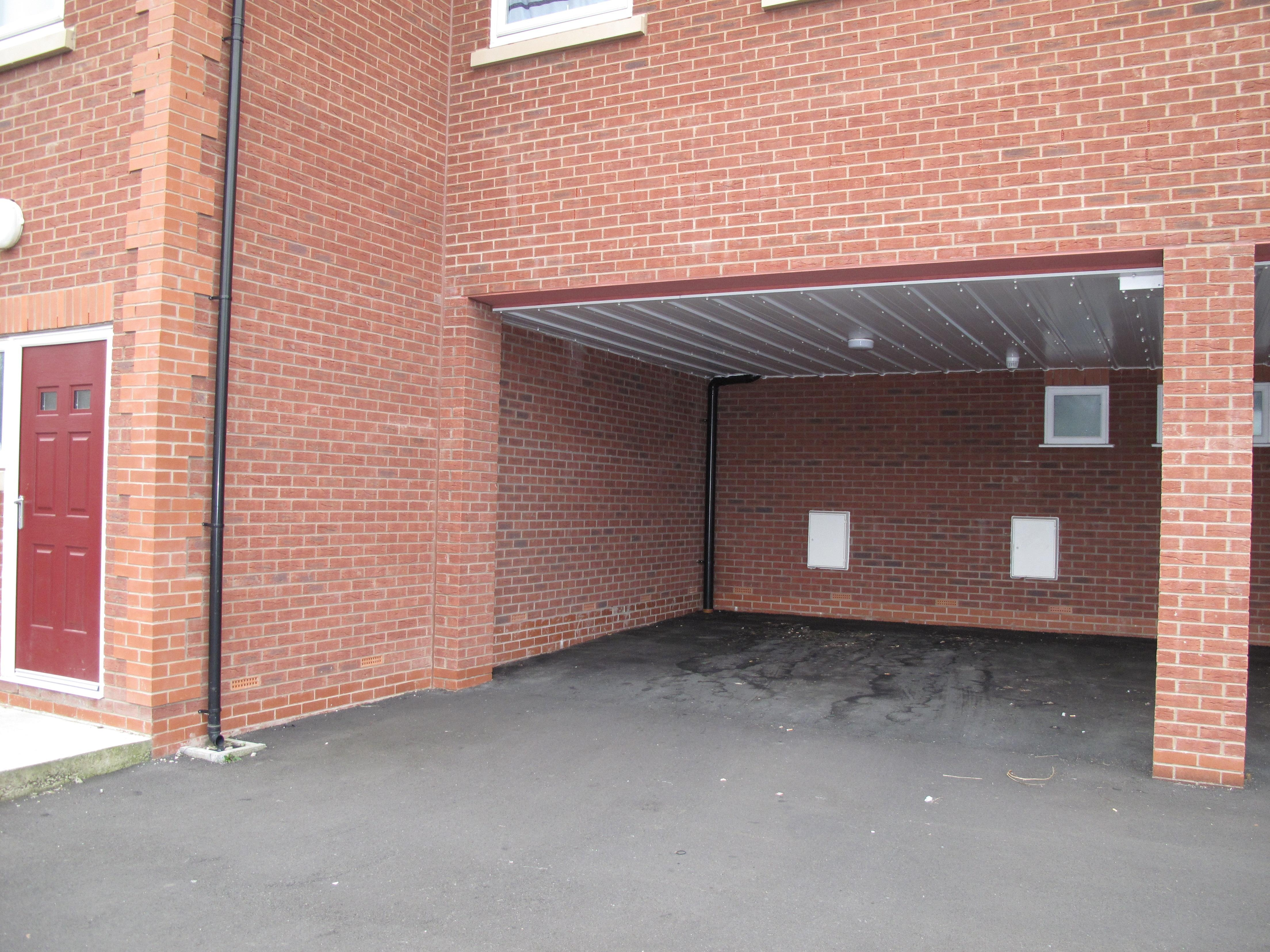 2 bedroom apartment flat/apartment To Let in Wigan - Property photograph