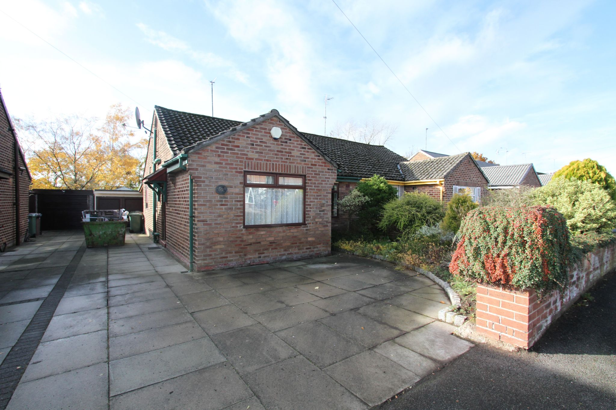 2 bedroom semi-detached bungalow For Sale in St Helens - Property photograph
