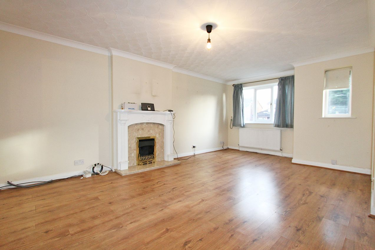 3 bedroom detached house Sold in Wigan - Property photograph