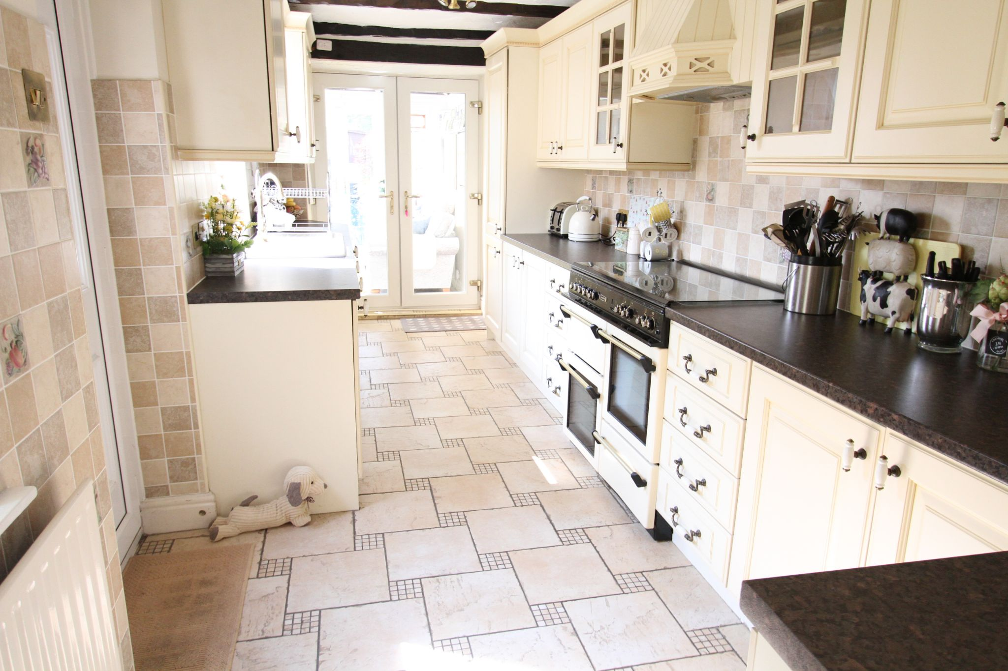 2 bedroom cottage house For Sale in St Helens - Property photograph
