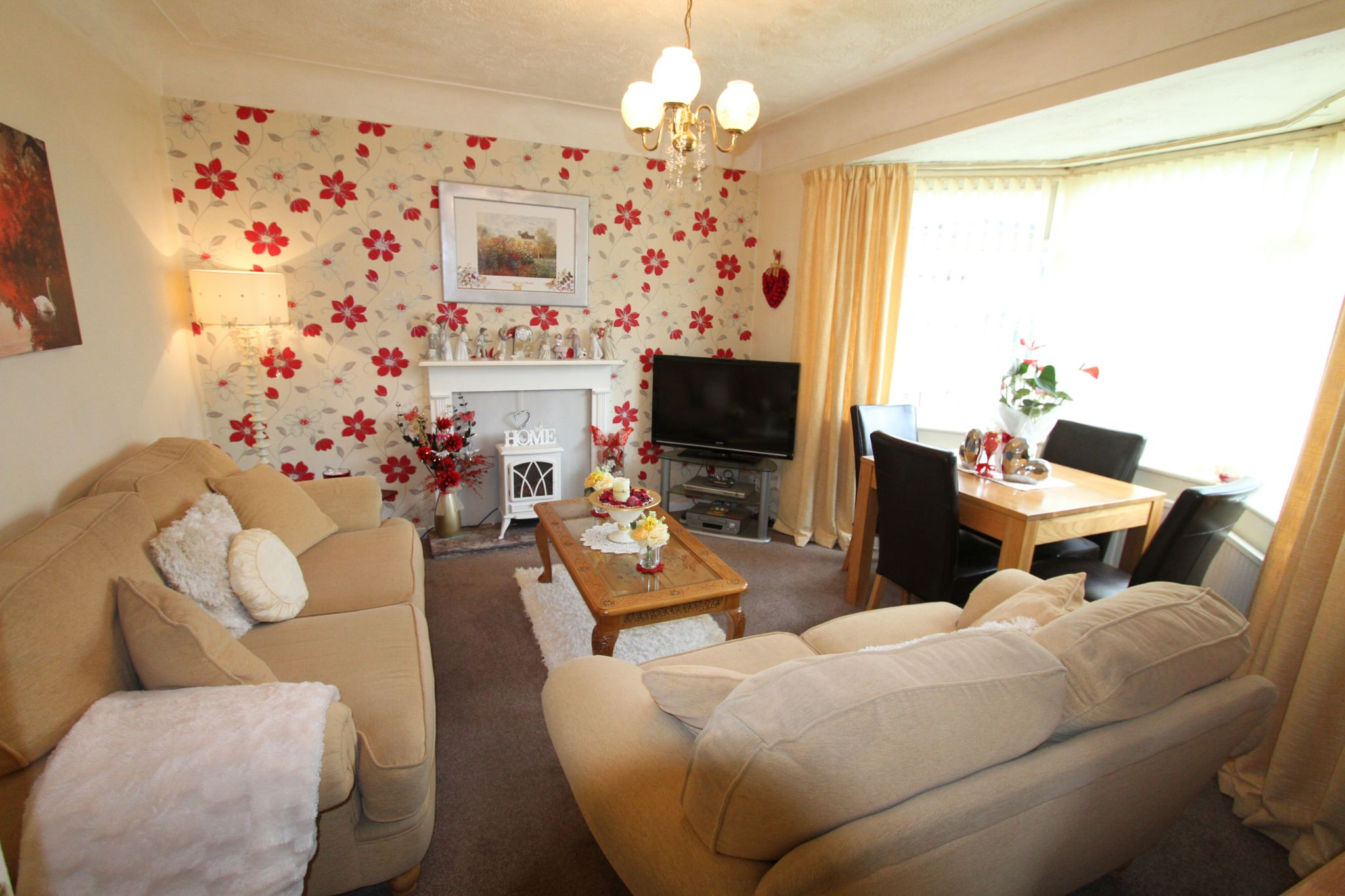 3 bedroom semi-detached house For Sale in Liverpool - Property photograph