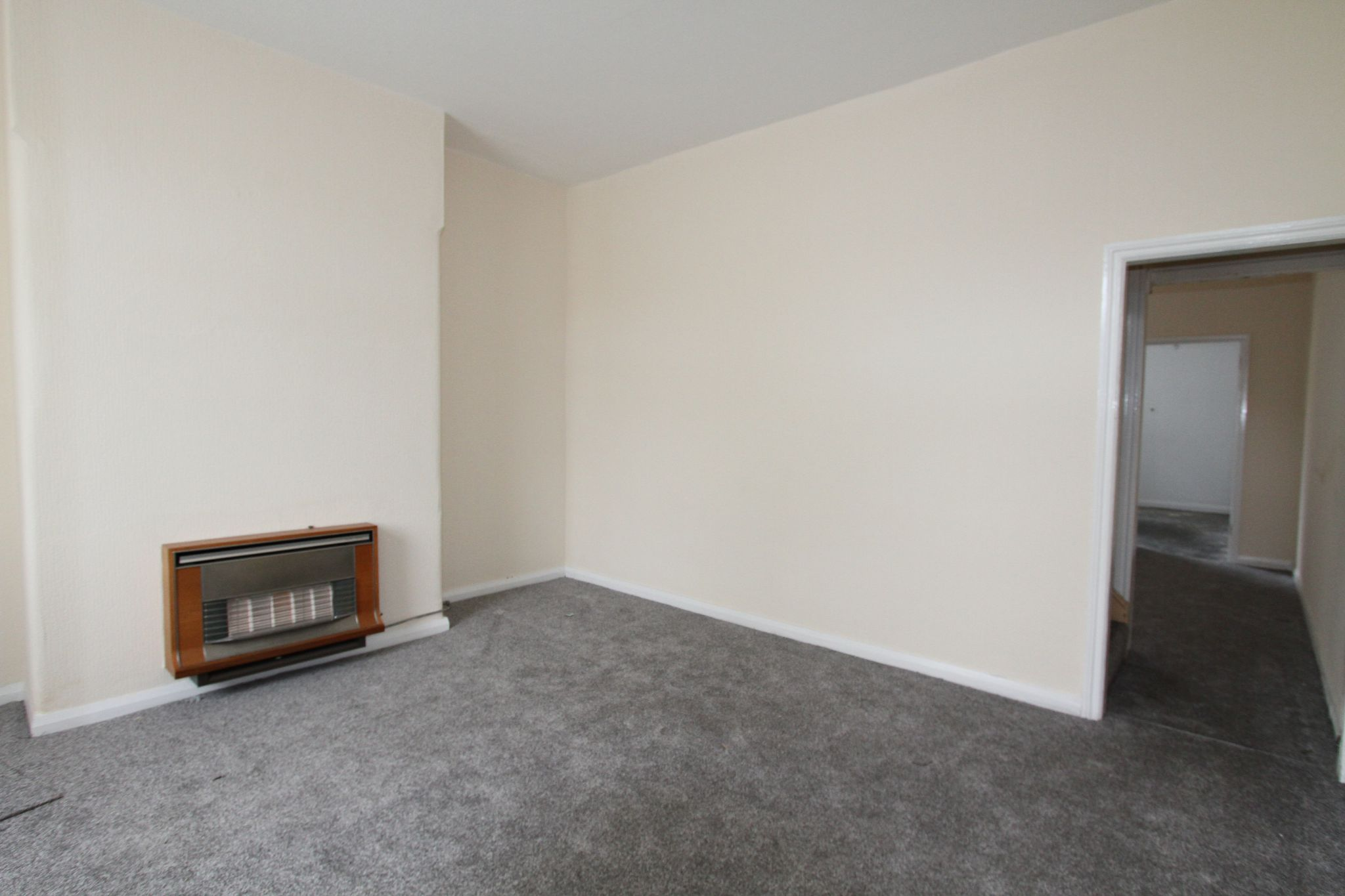 2 bedroom mid terraced house For Sale in Warrington - Property photograph