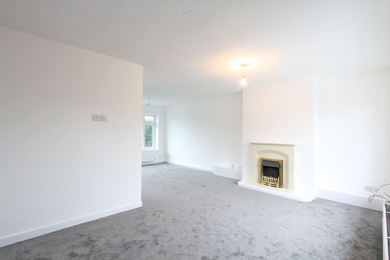 2 bedroom semi-detached house For Sale in Wigan - Property photograph