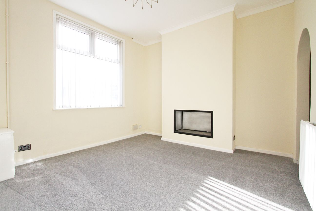 2 bedroom mid terraced house For Sale in Wigan - Property photograph
