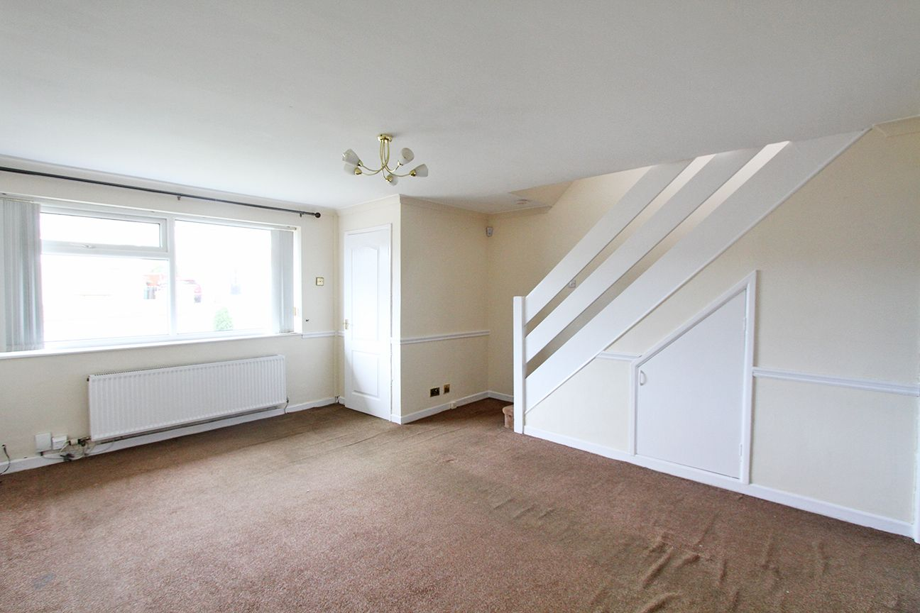 3 bedroom semi-detached house For Sale in St. Helens - Property photograph