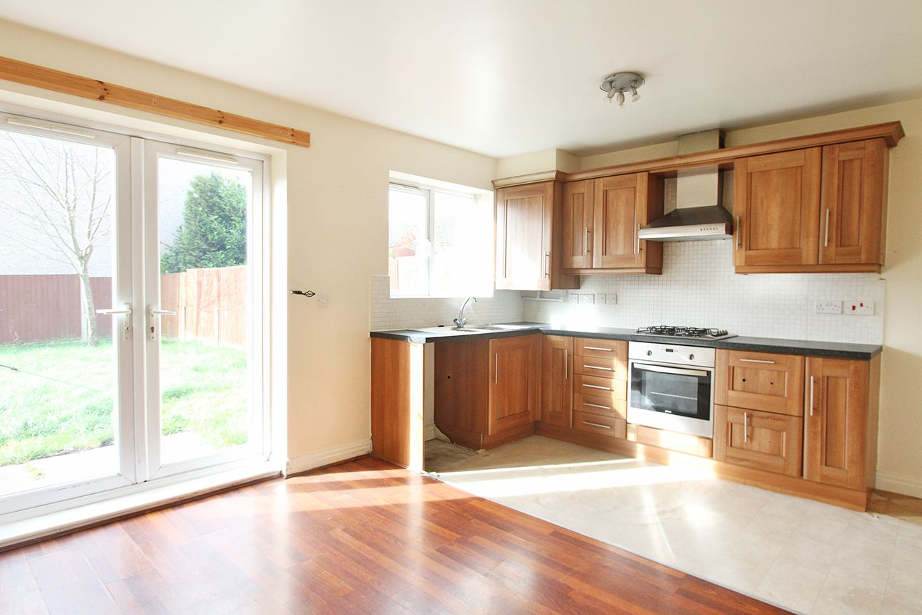 3 bedroom detached house For Sale in Warrington - Property photograph