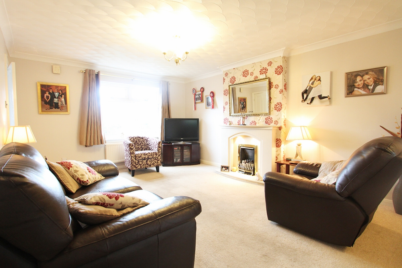 4 bedroom detached house Sold in Wigan - Property photograph