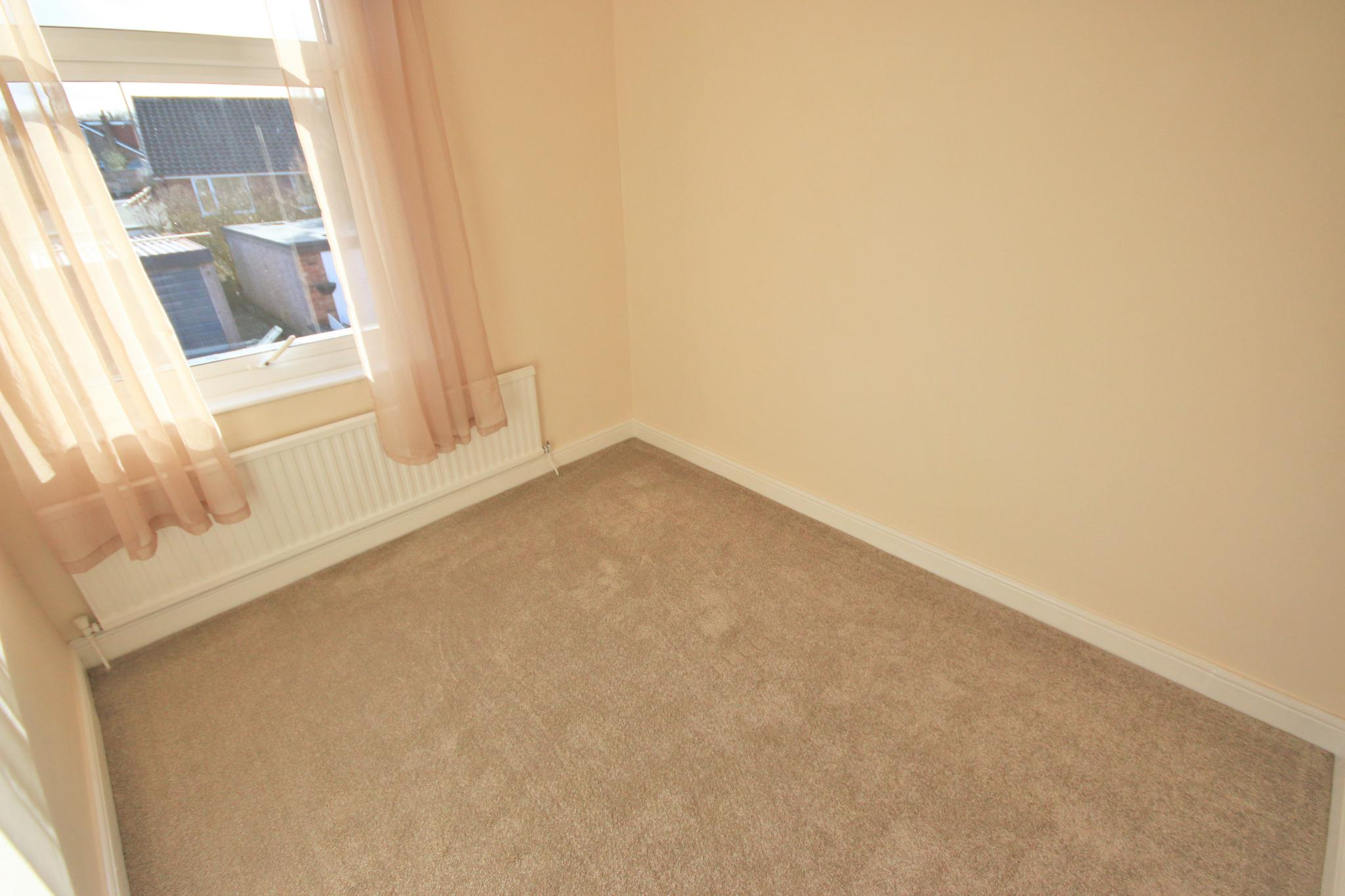 3 Bedroom End Terraced House For Sale - Photograph 10