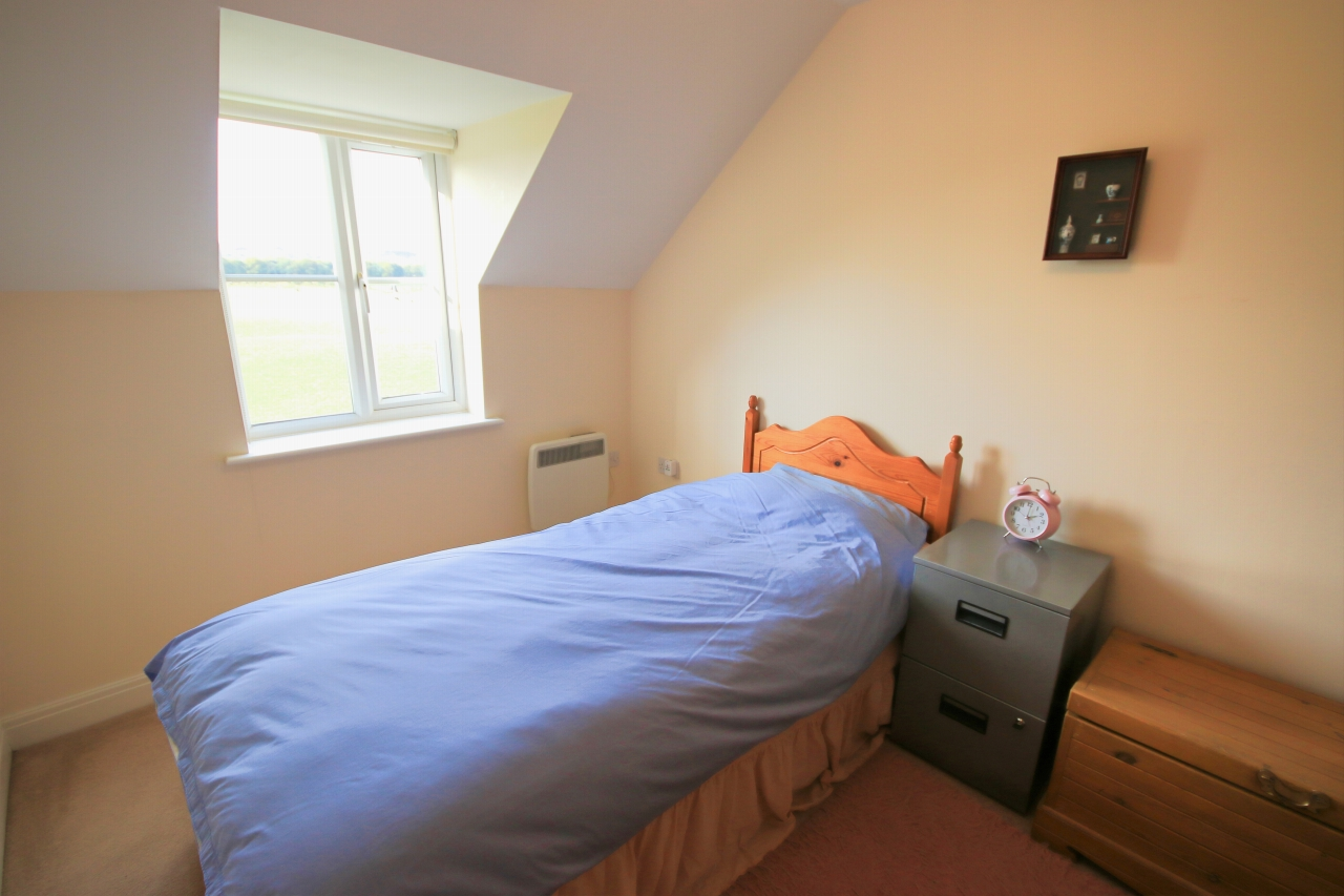 2 Bedroom Apartment Flat/apartment To Rent - Photograph 13