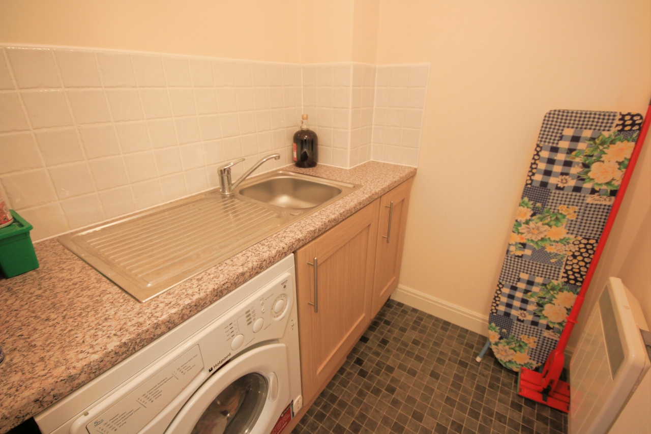 2 Bedroom Apartment Flat/apartment To Rent - Photograph 15
