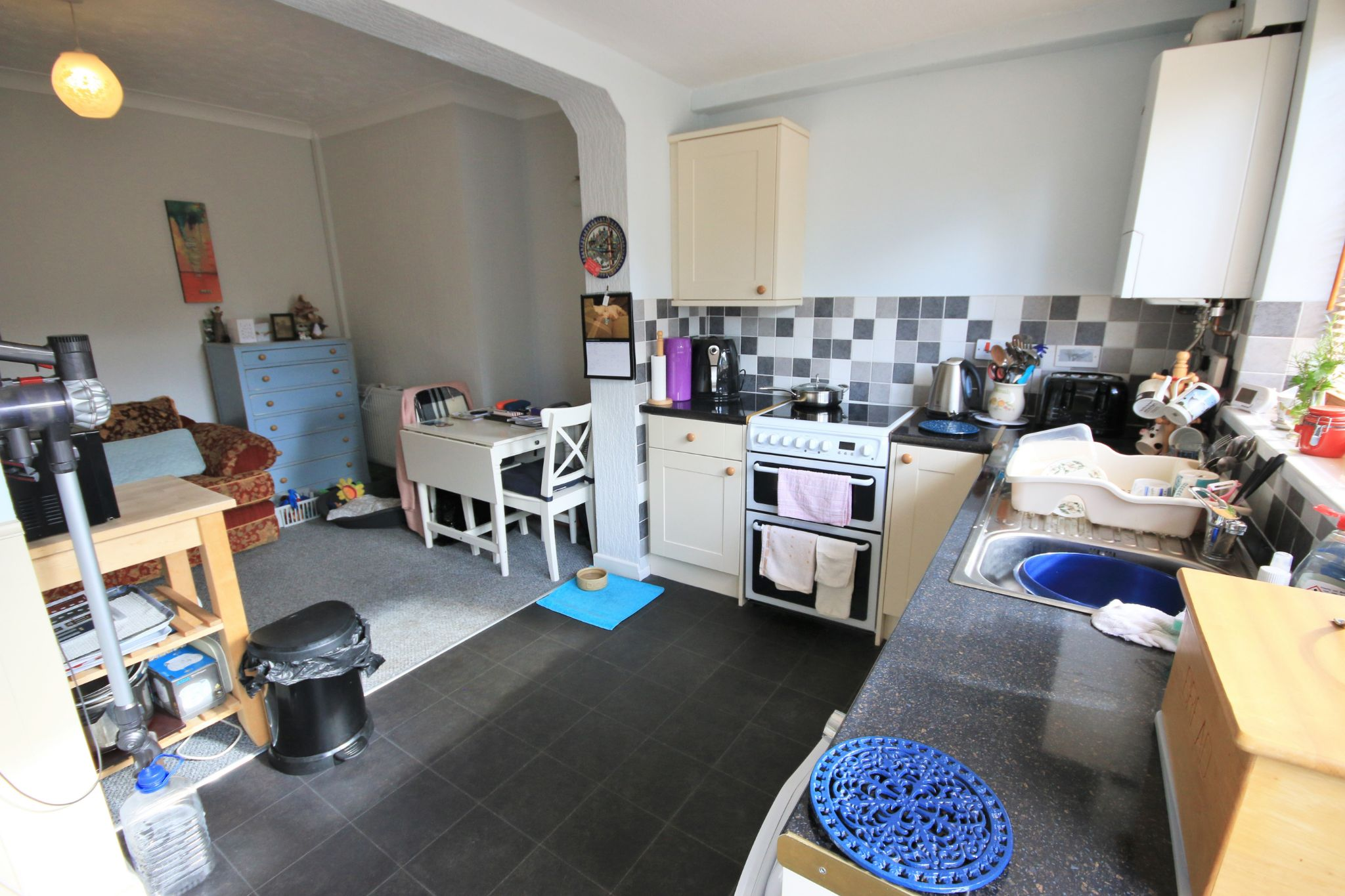 2 Bedroom Mid Terraced House For Sale - Photograph 5