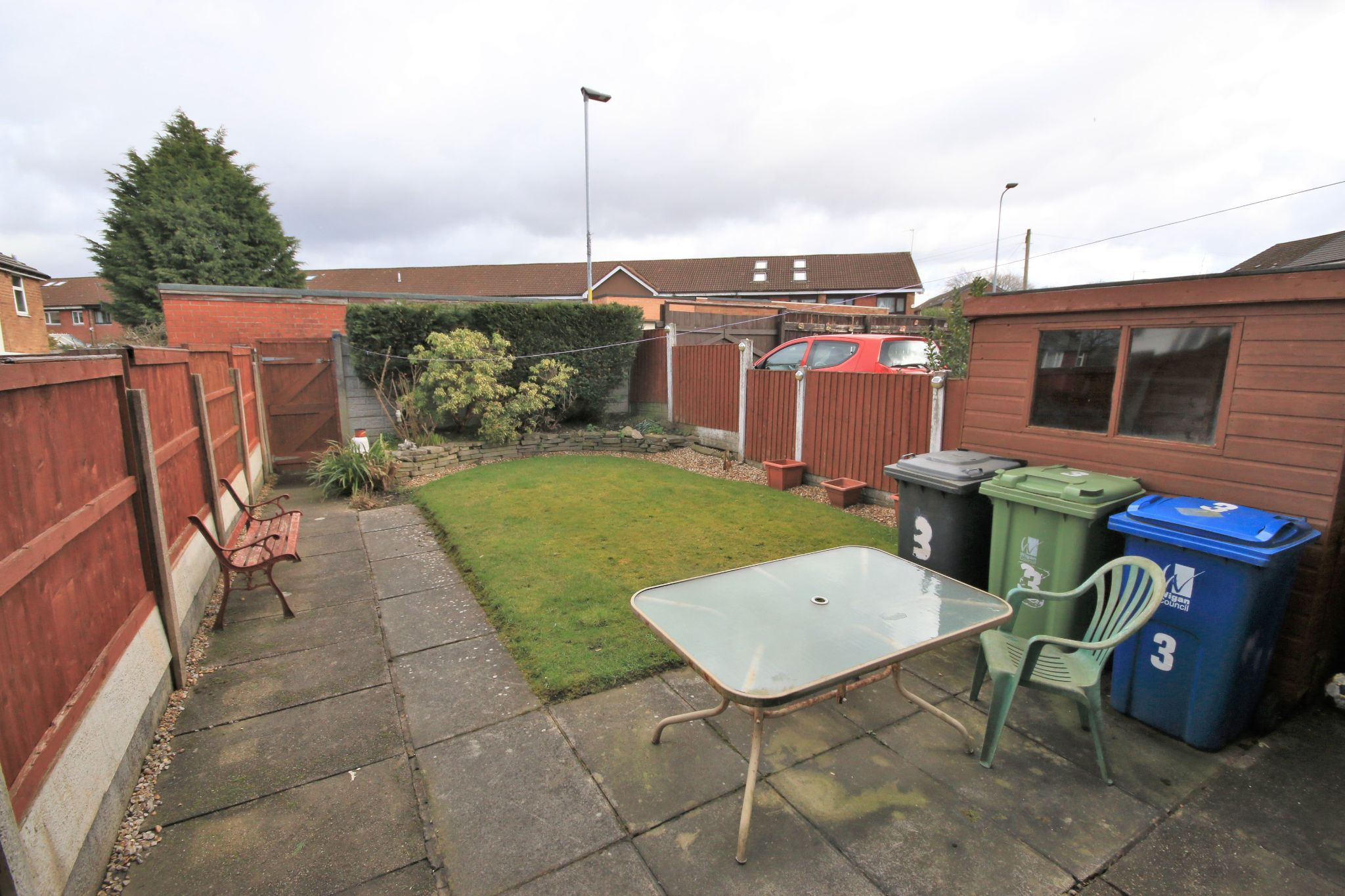 3 Bedroom Town House To Rent - Photograph 11