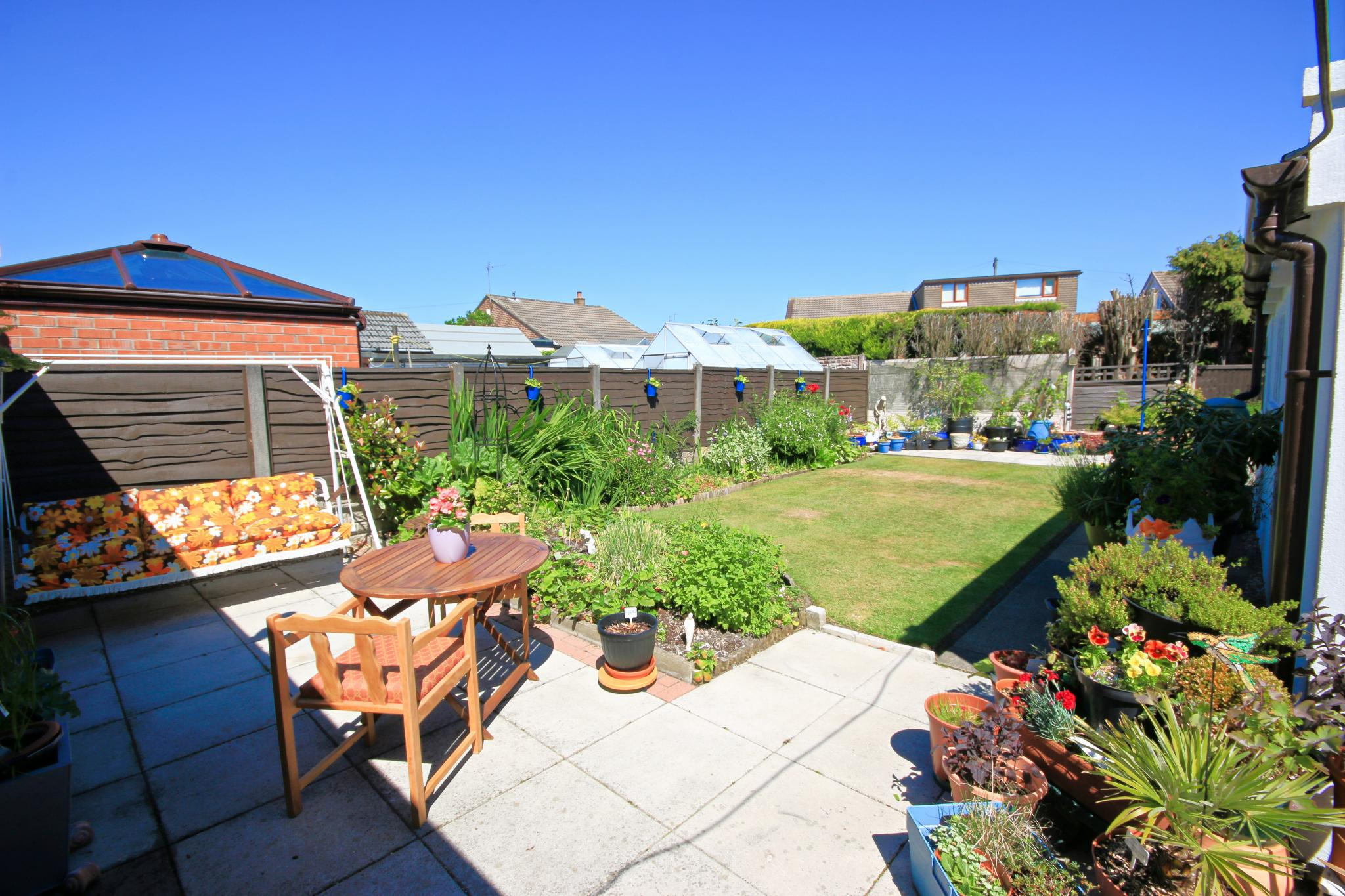 3 Bedroom Semi-detached House For Sale - Photograph 16