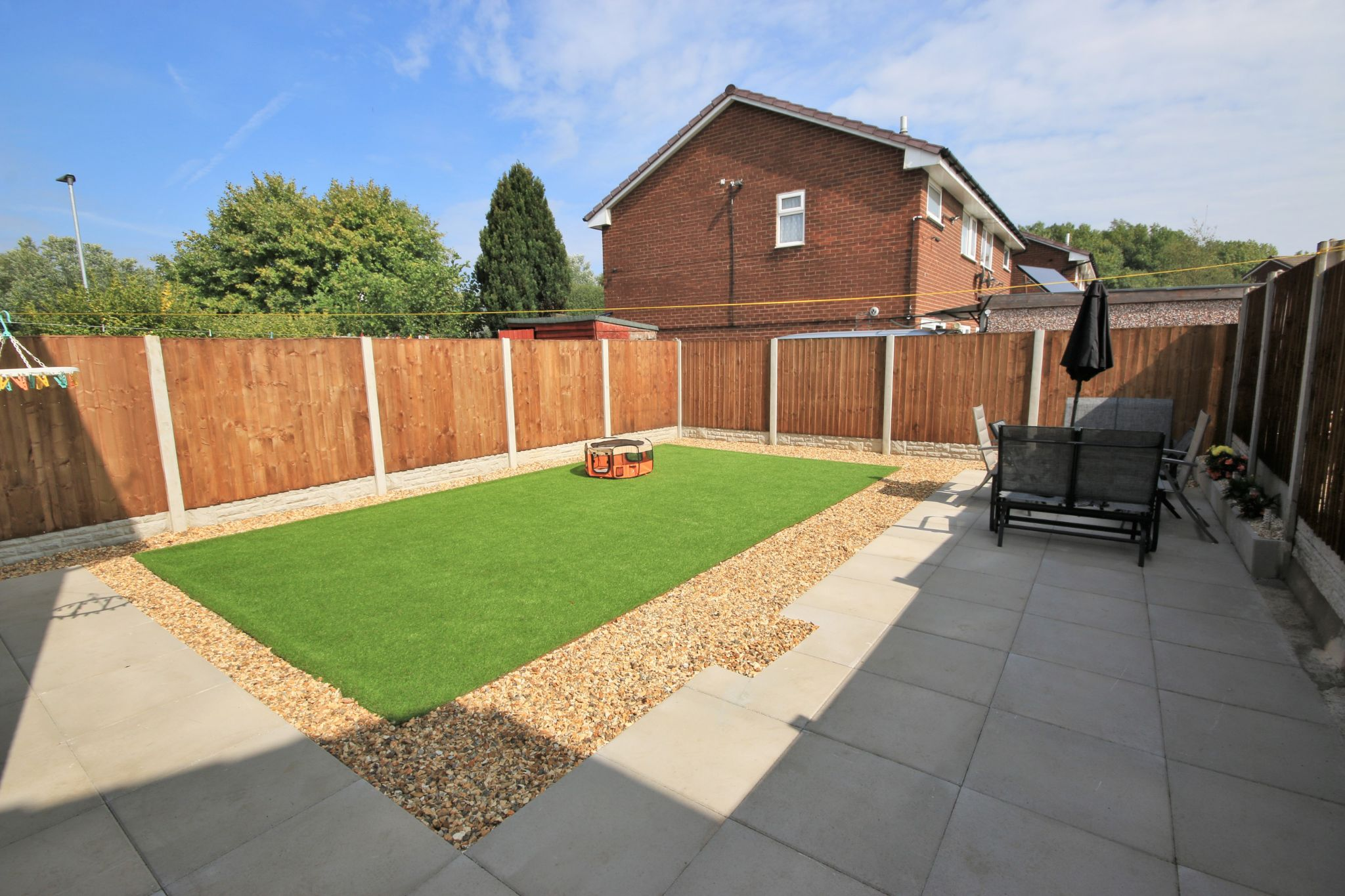 2 Bedroom Semi-detached House For Sale - Photograph 13