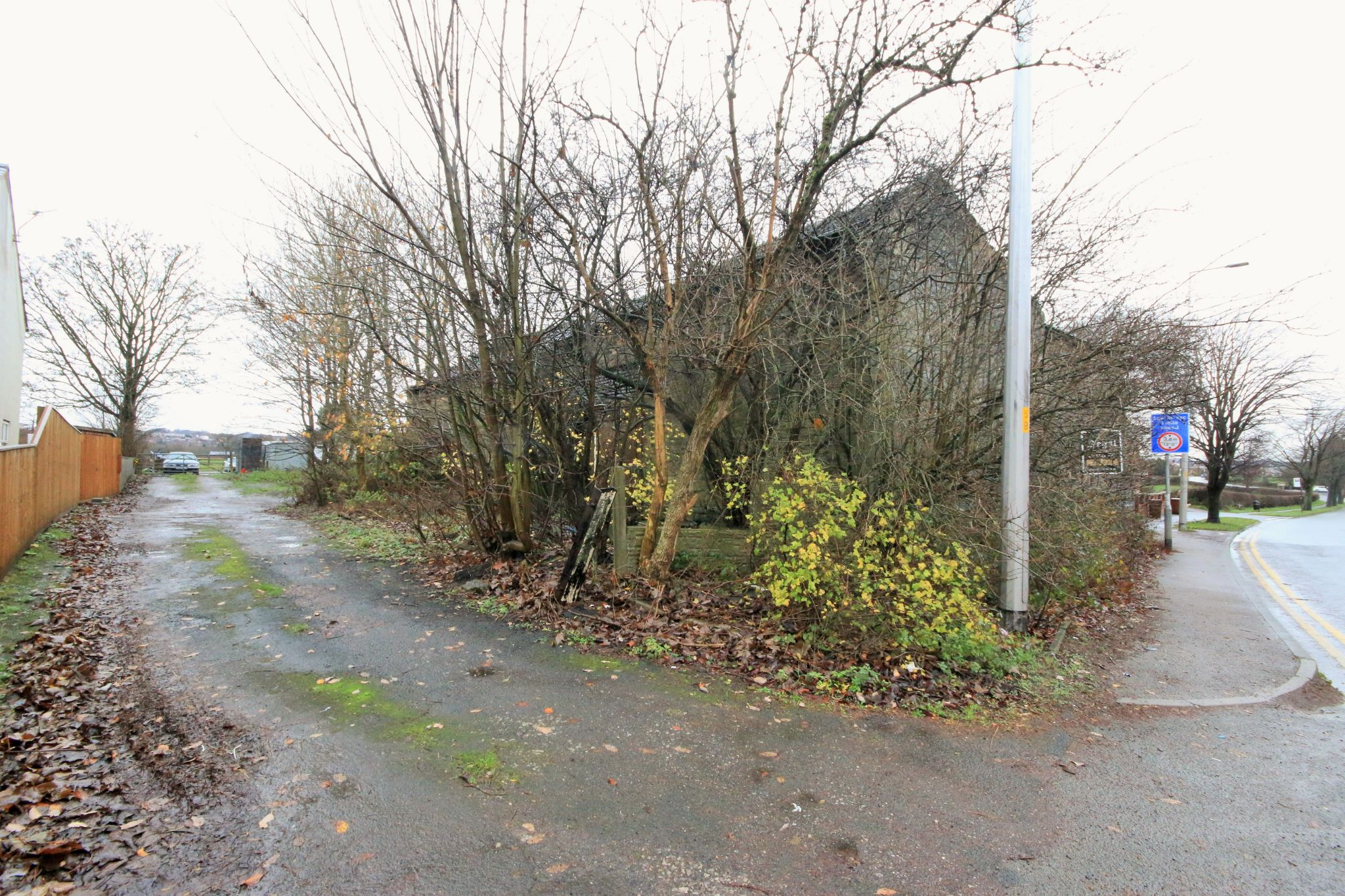 Plot Land For Sale - Photograph 1