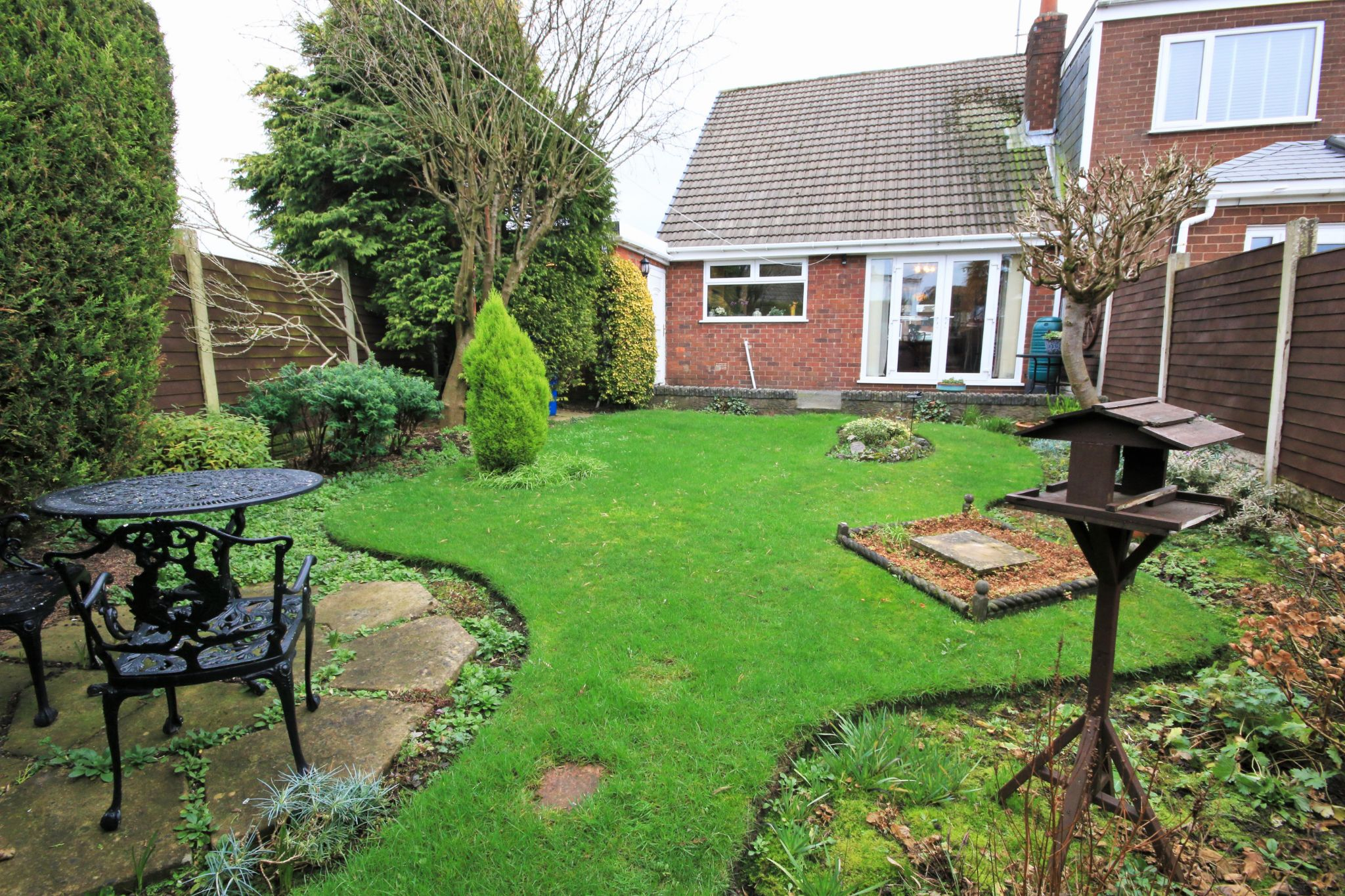 2 Bedroom Semi-detached Bungalow For Sale - Photograph 20