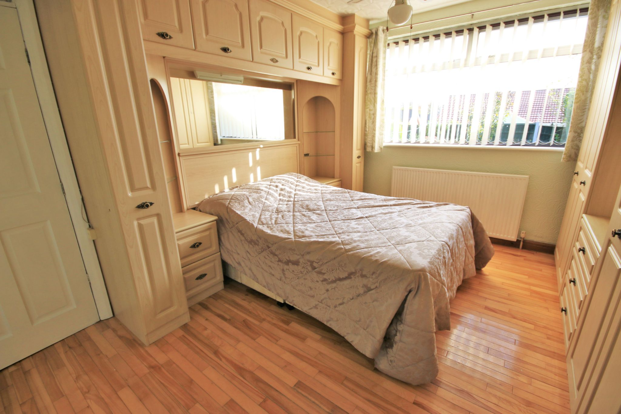 4 Bedroom Semi-detached Bungalow For Sale - Photograph 4