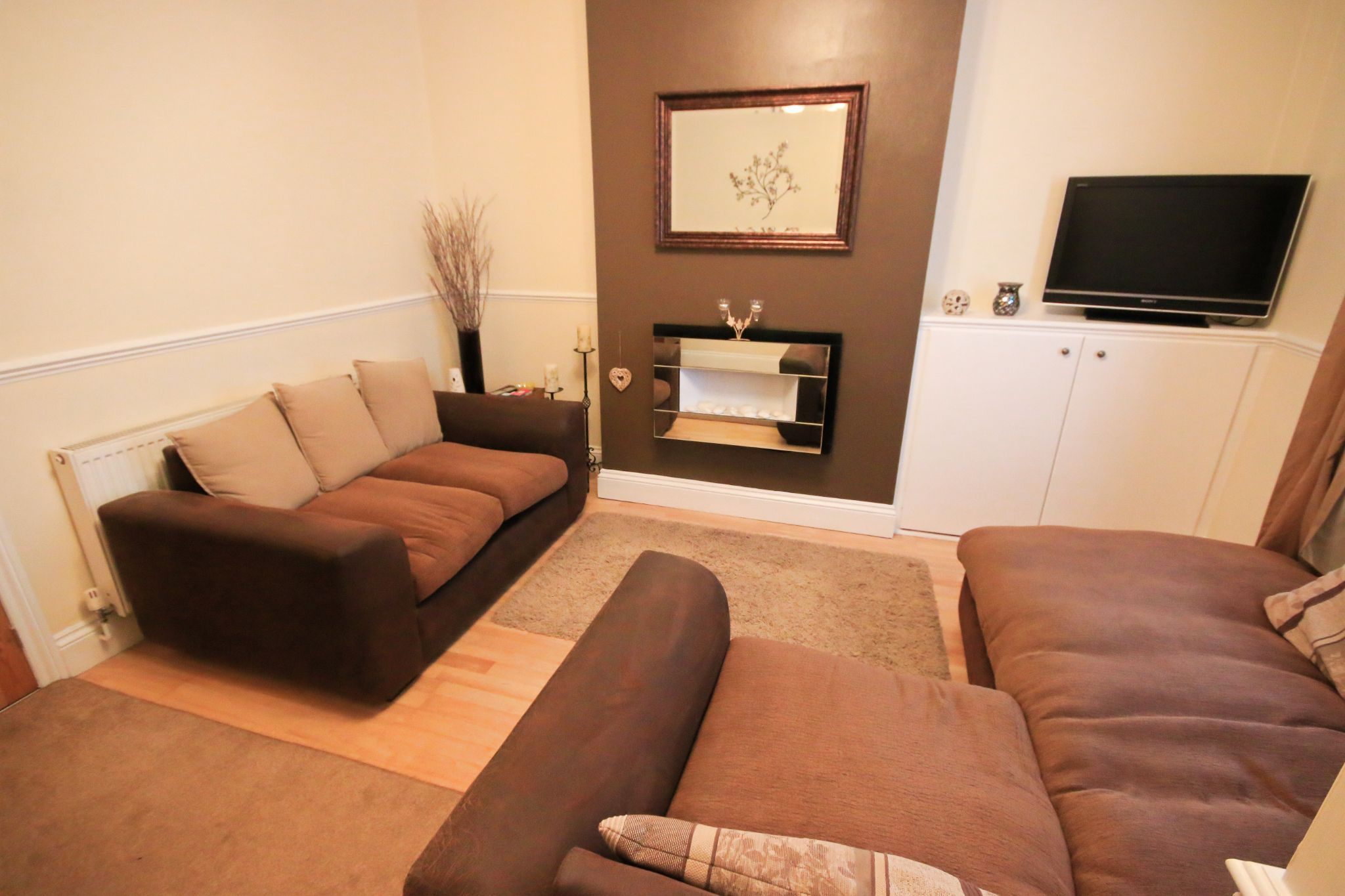 2 Bedroom Mid Terraced House For Sale - Photograph 3
