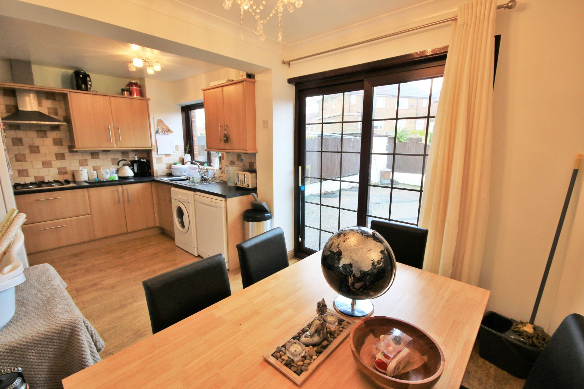 3 Bedroom Semi-detached House For Sale - Photograph 5
