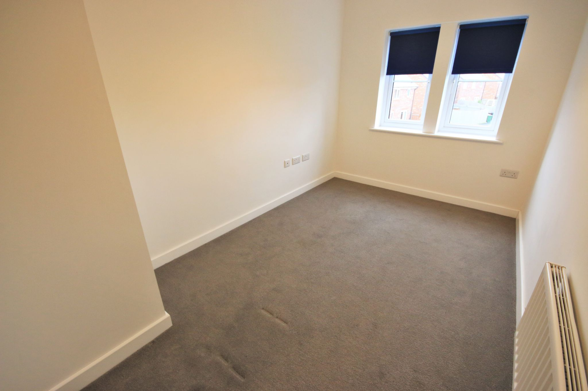 2 Bedroom Apartment Flat/apartment To Rent - Photograph 9