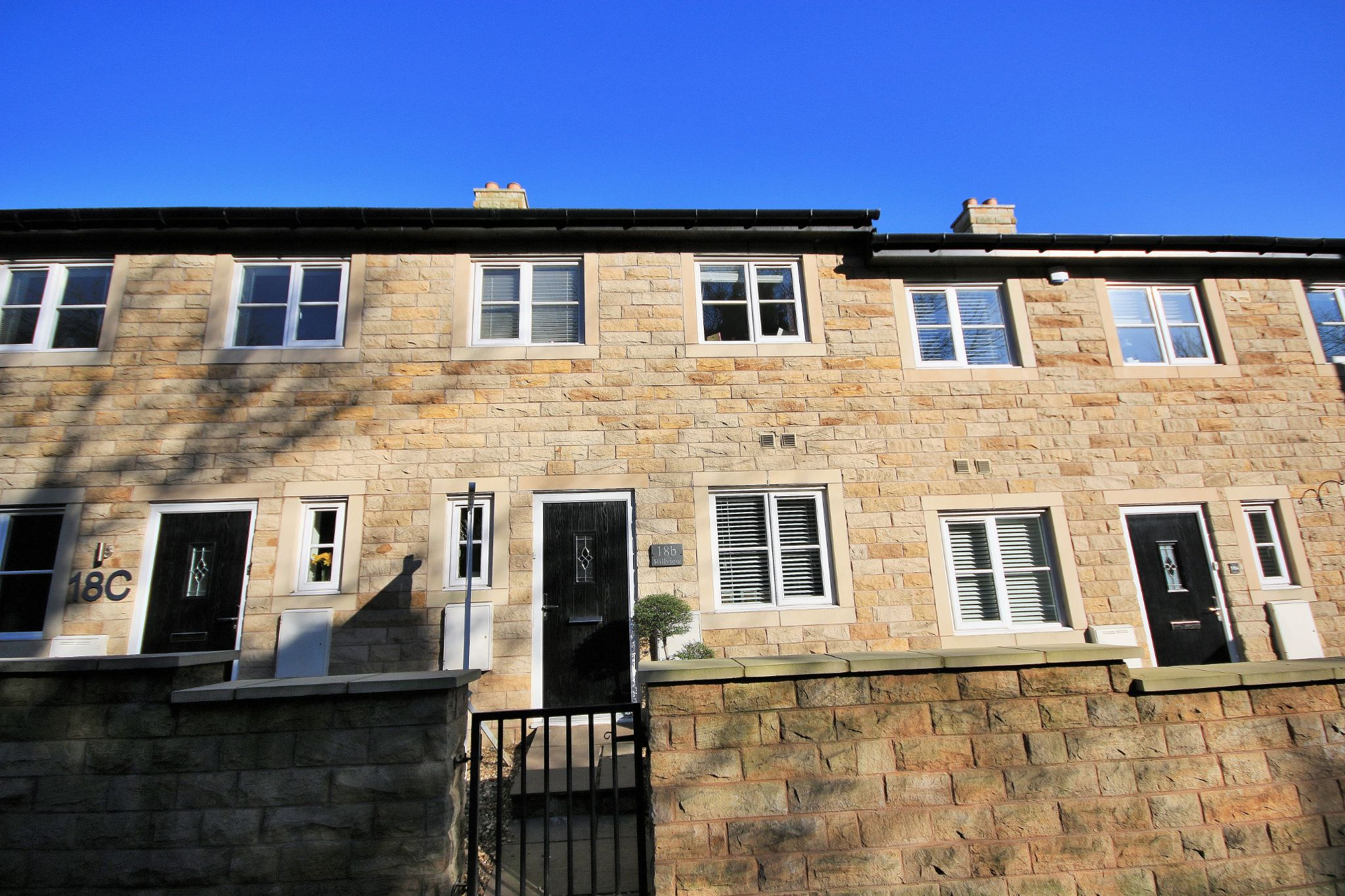 3 Bedroom Mews House For Sale - Photograph 23