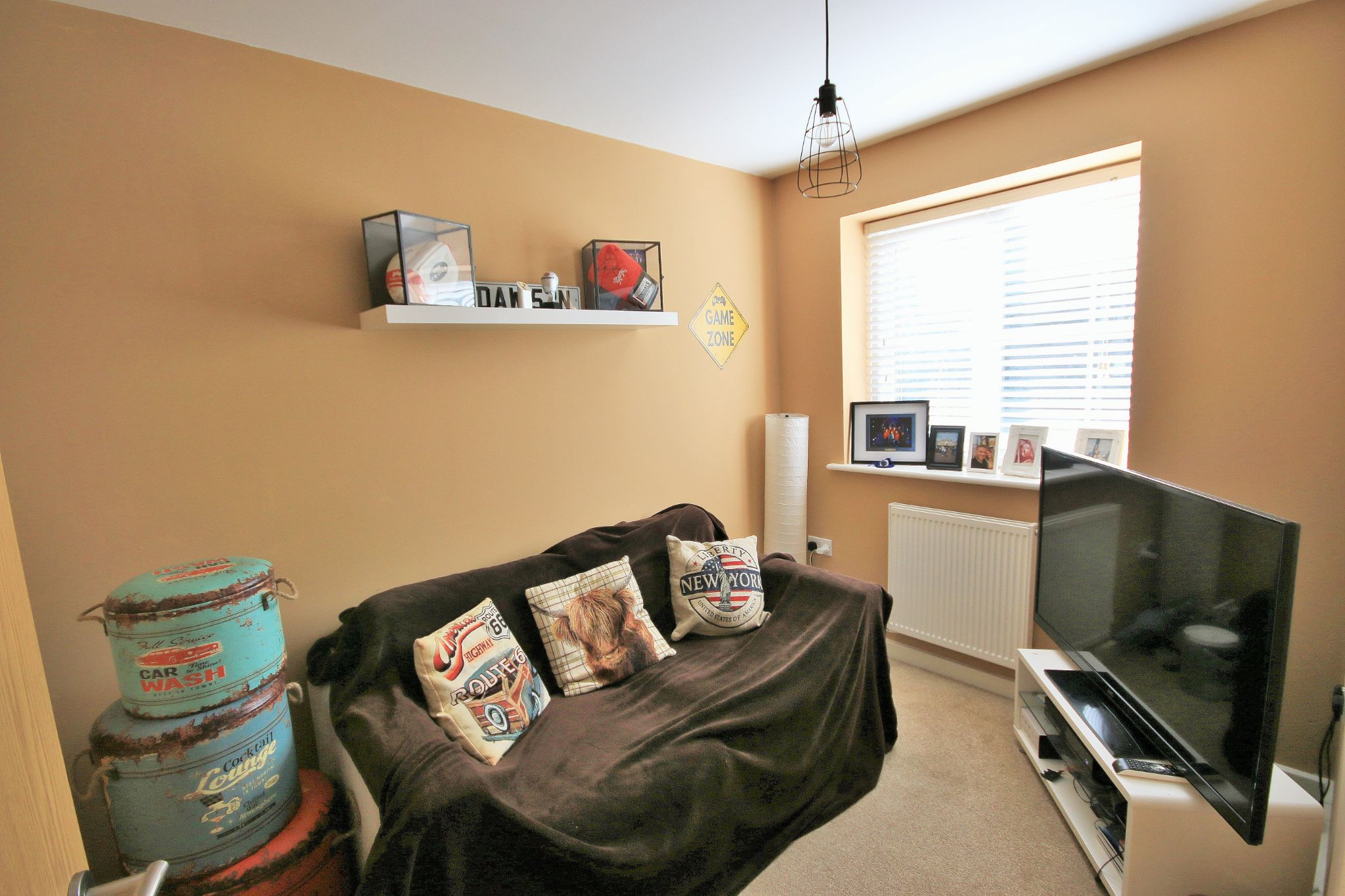 3 Bedroom Mews House For Sale - Photograph 6