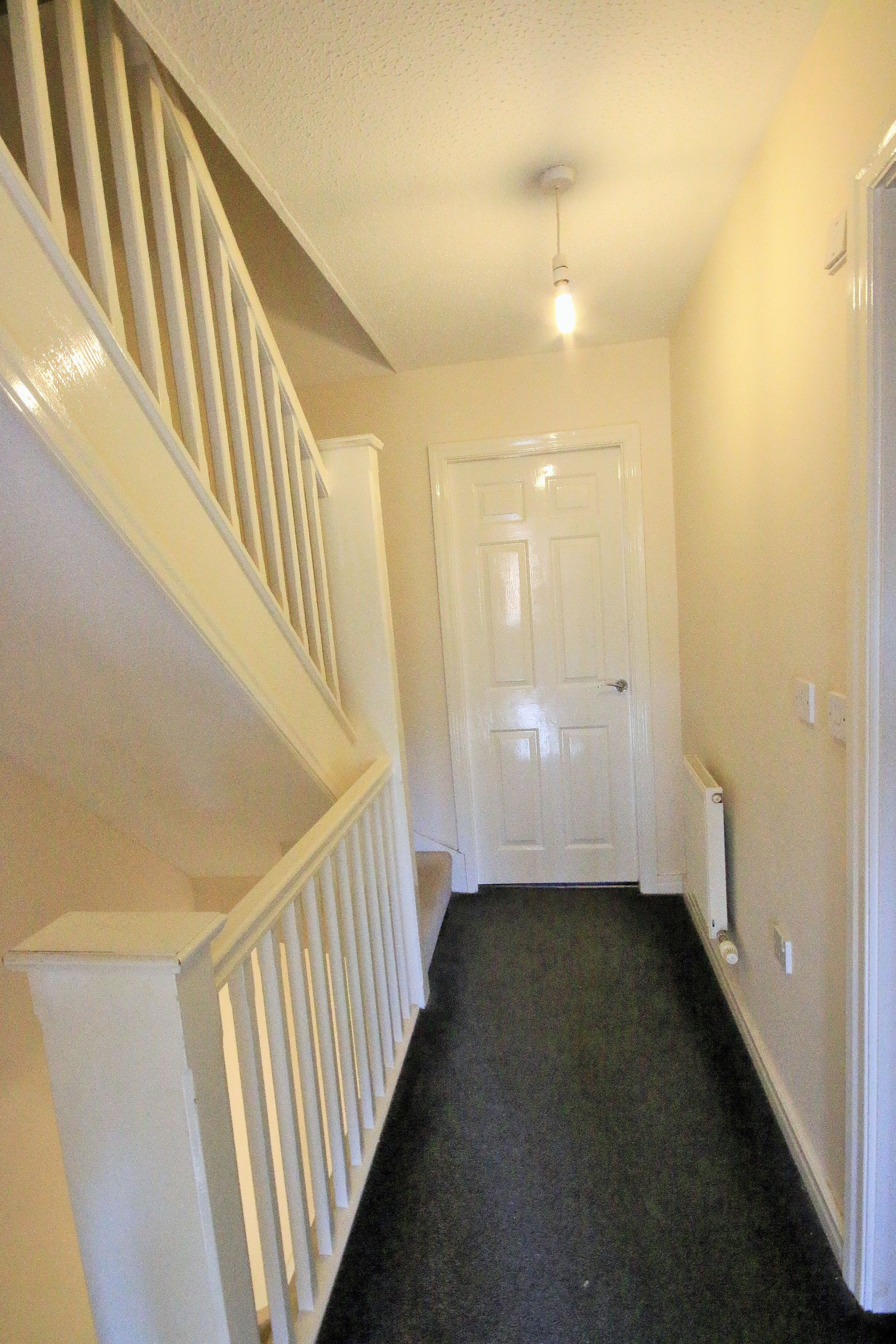 3 Bedroom Mews House To Rent - Photograph 7