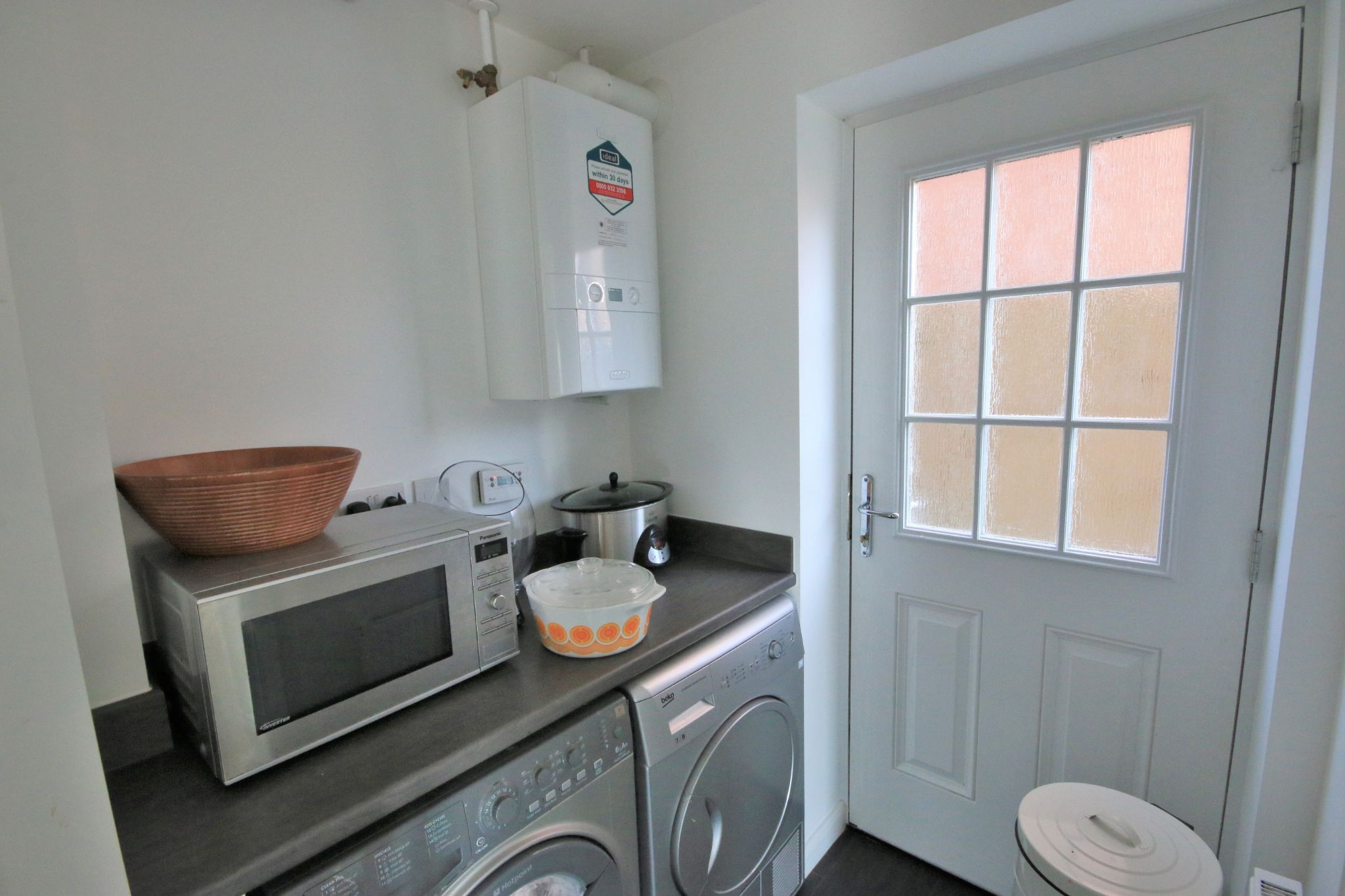 4 Bedroom Detached House For Sale - Photograph 9