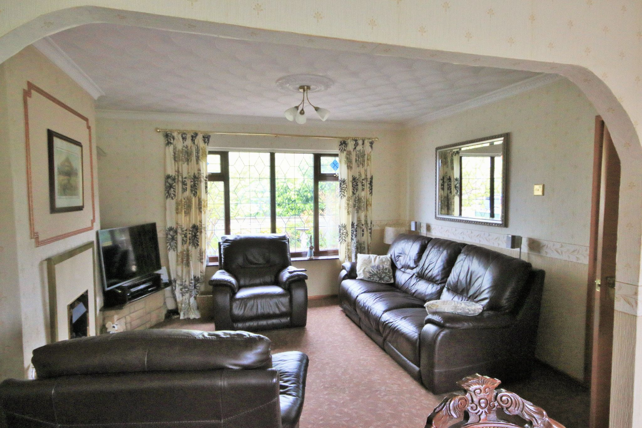 2 Bedroom Detached House For Sale - Photograph 2
