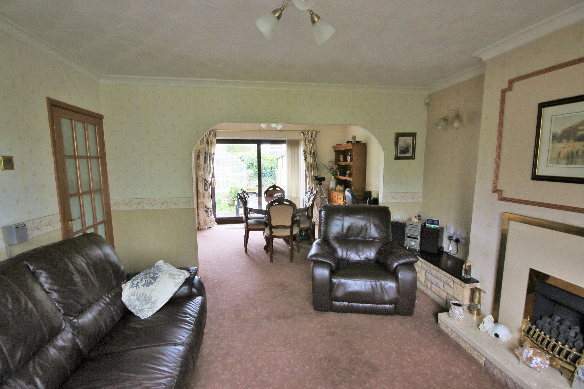 2 Bedroom Detached House For Sale - Photograph 3