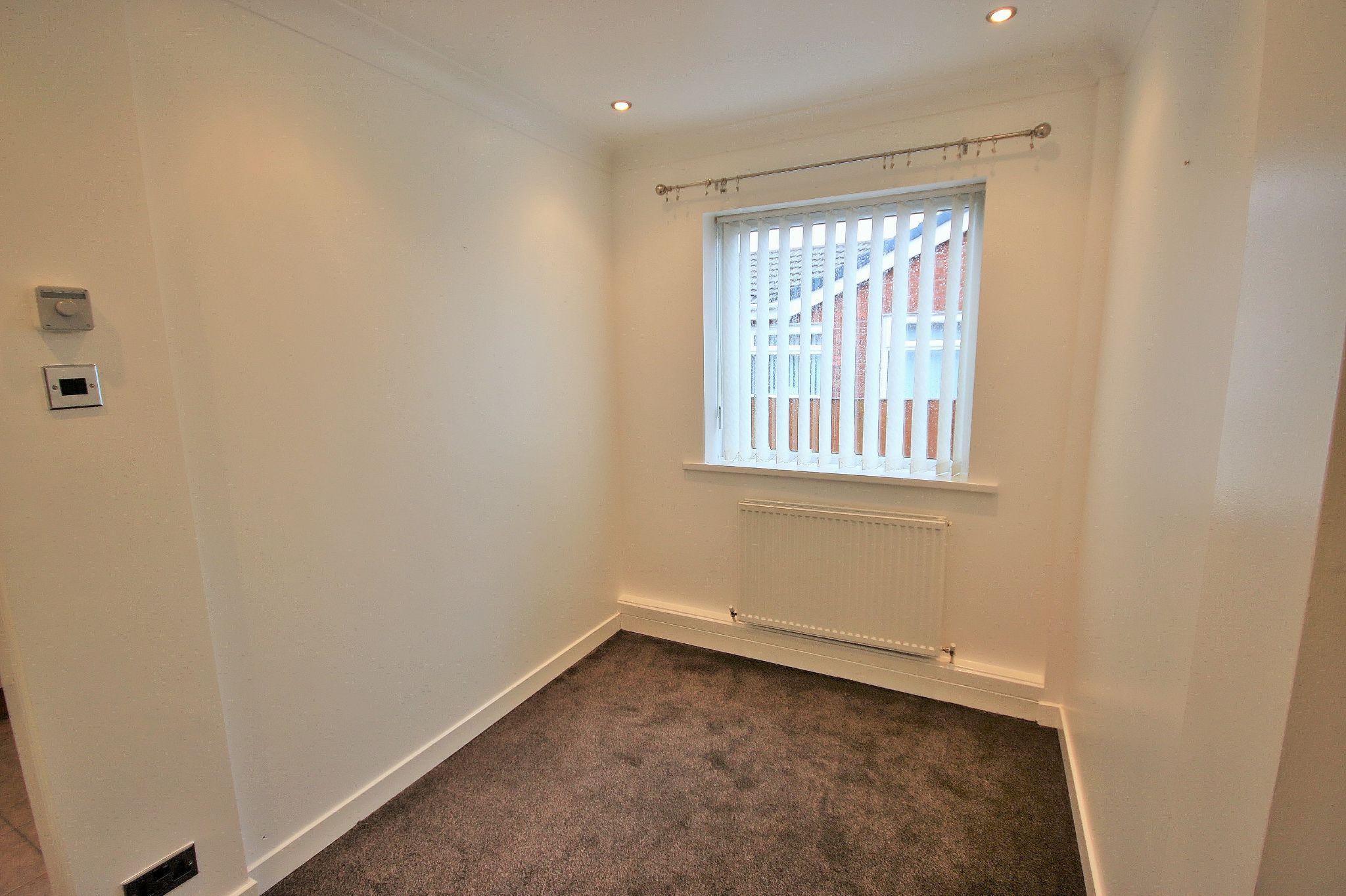 2 Bedroom Semi-detached Bungalow For Sale - Photograph 3