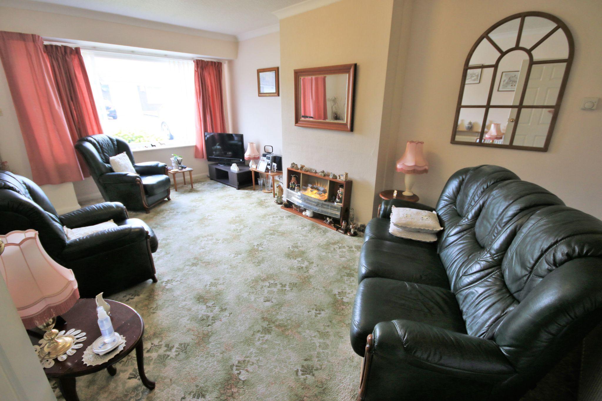 3 Bedroom Semi-detached Bungalow For Sale - Photograph 4