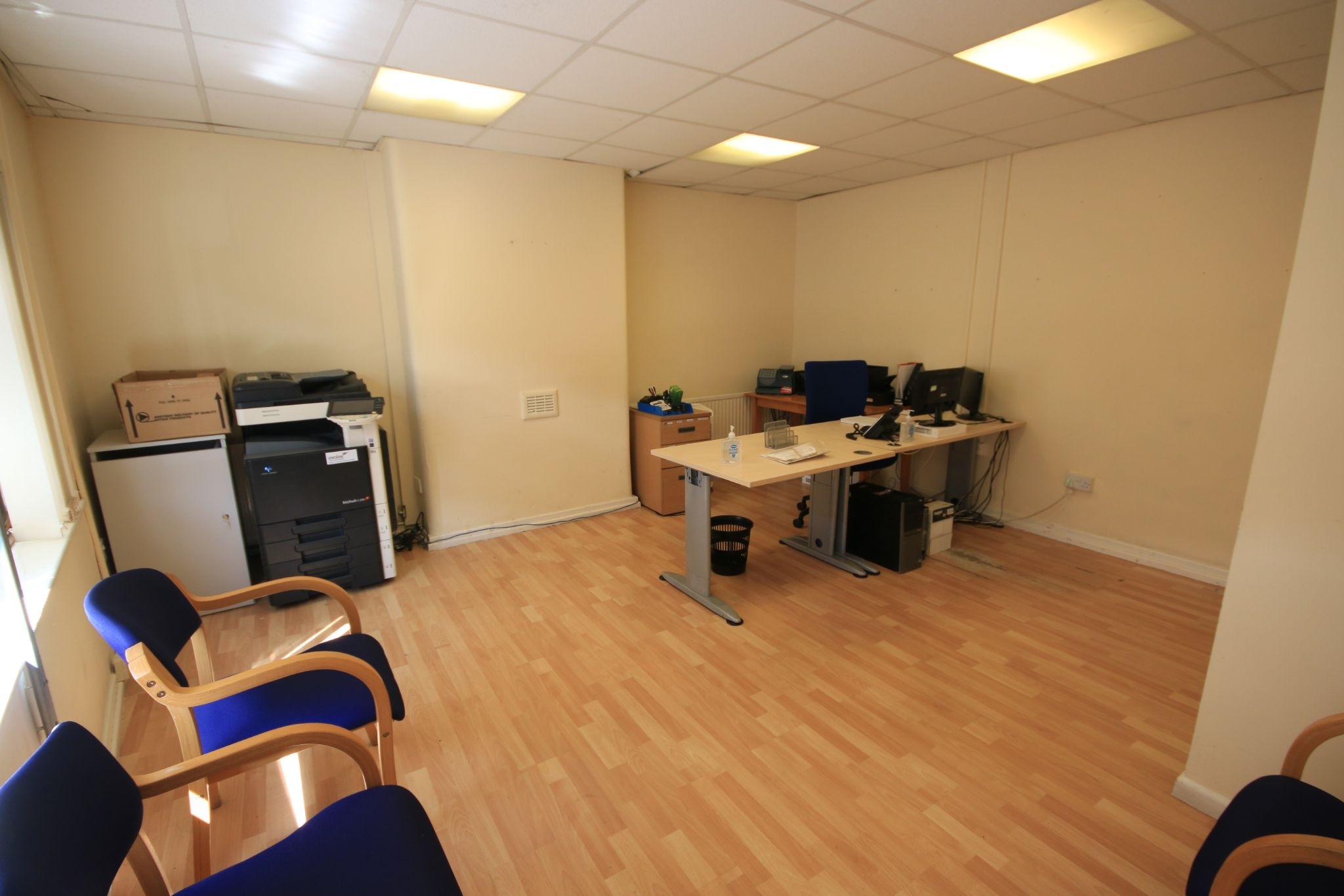 Office To Rent - Photograph 2