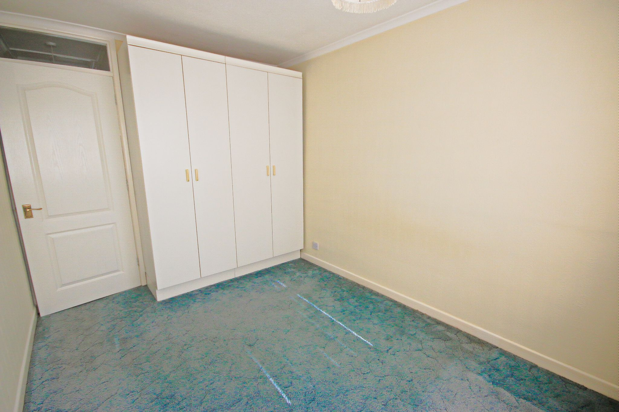 5 Bedroom Detached House For Sale - Photograph 17