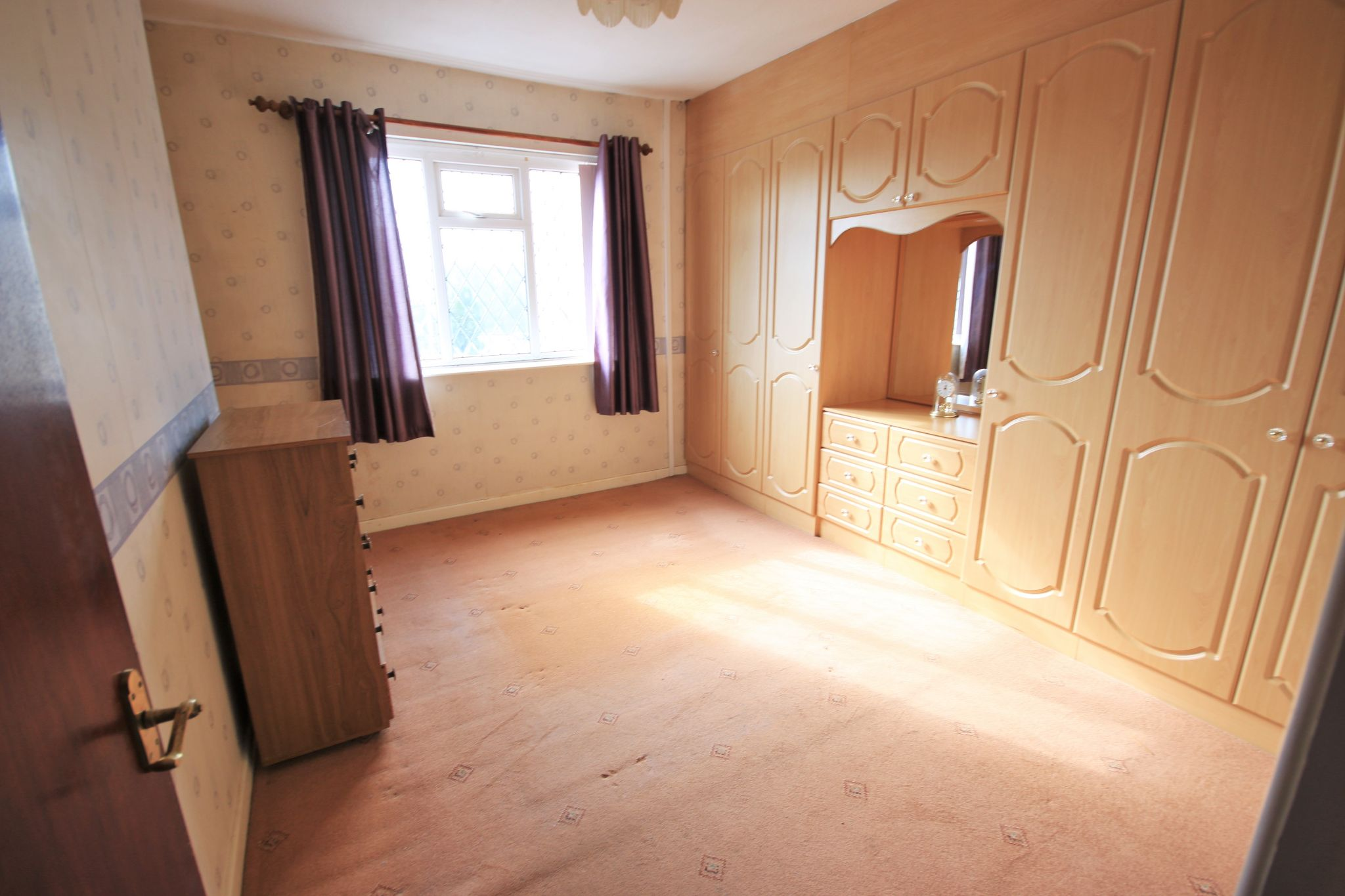 2 Bedroom End Terraced House To Rent - Photograph 5