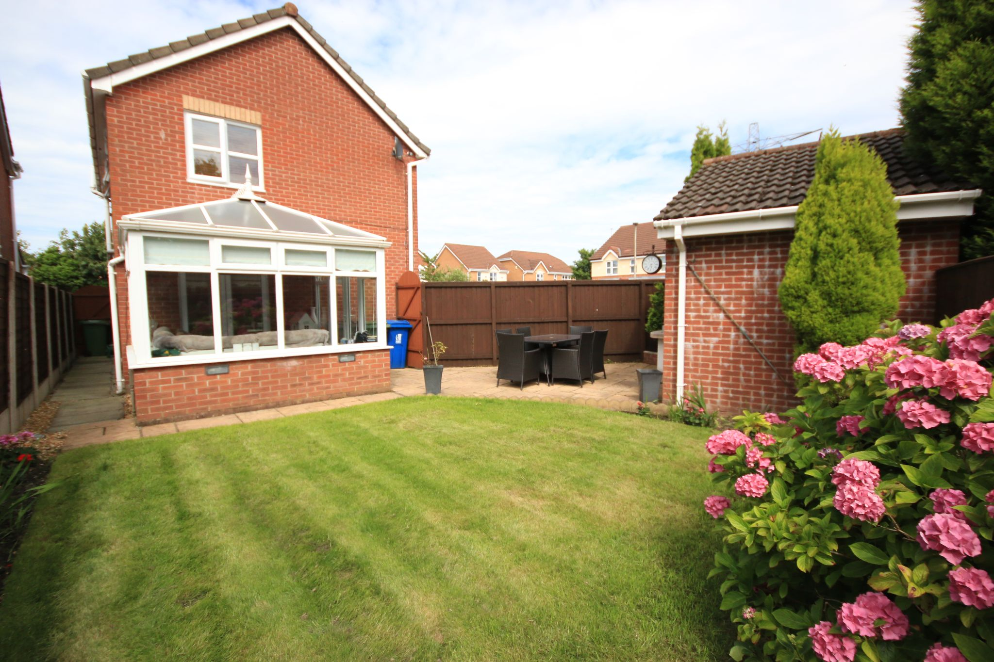 3 Bedroom Detached House For Sale - Photograph 21