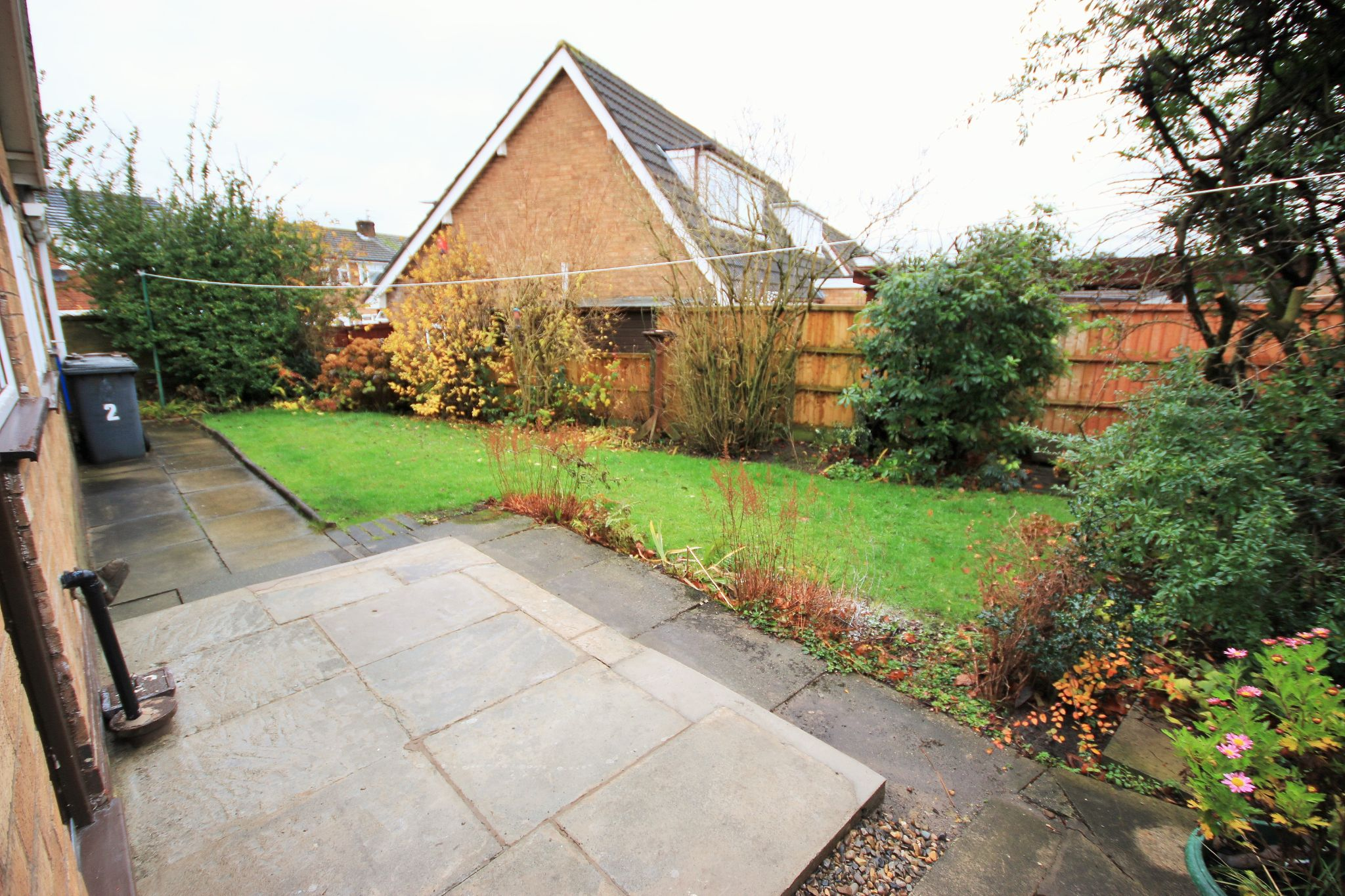 2 Bedroom Detached Bungalow To Rent - Photograph 10