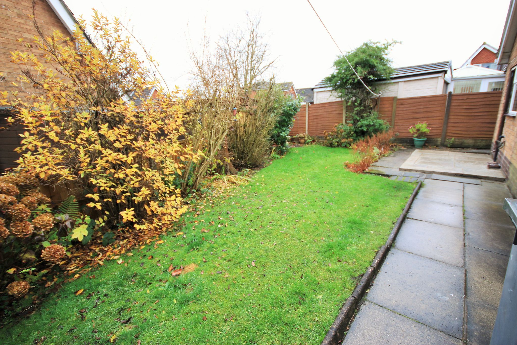 2 Bedroom Detached Bungalow To Rent - Photograph 11