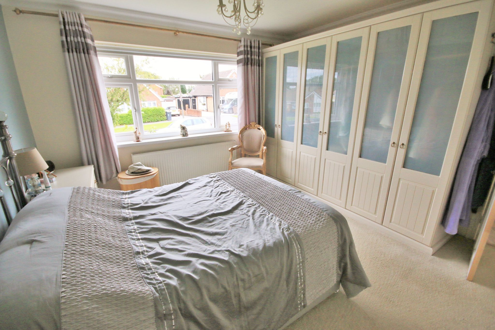 4 Bedroom Detached Bungalow For Sale - Photograph 7