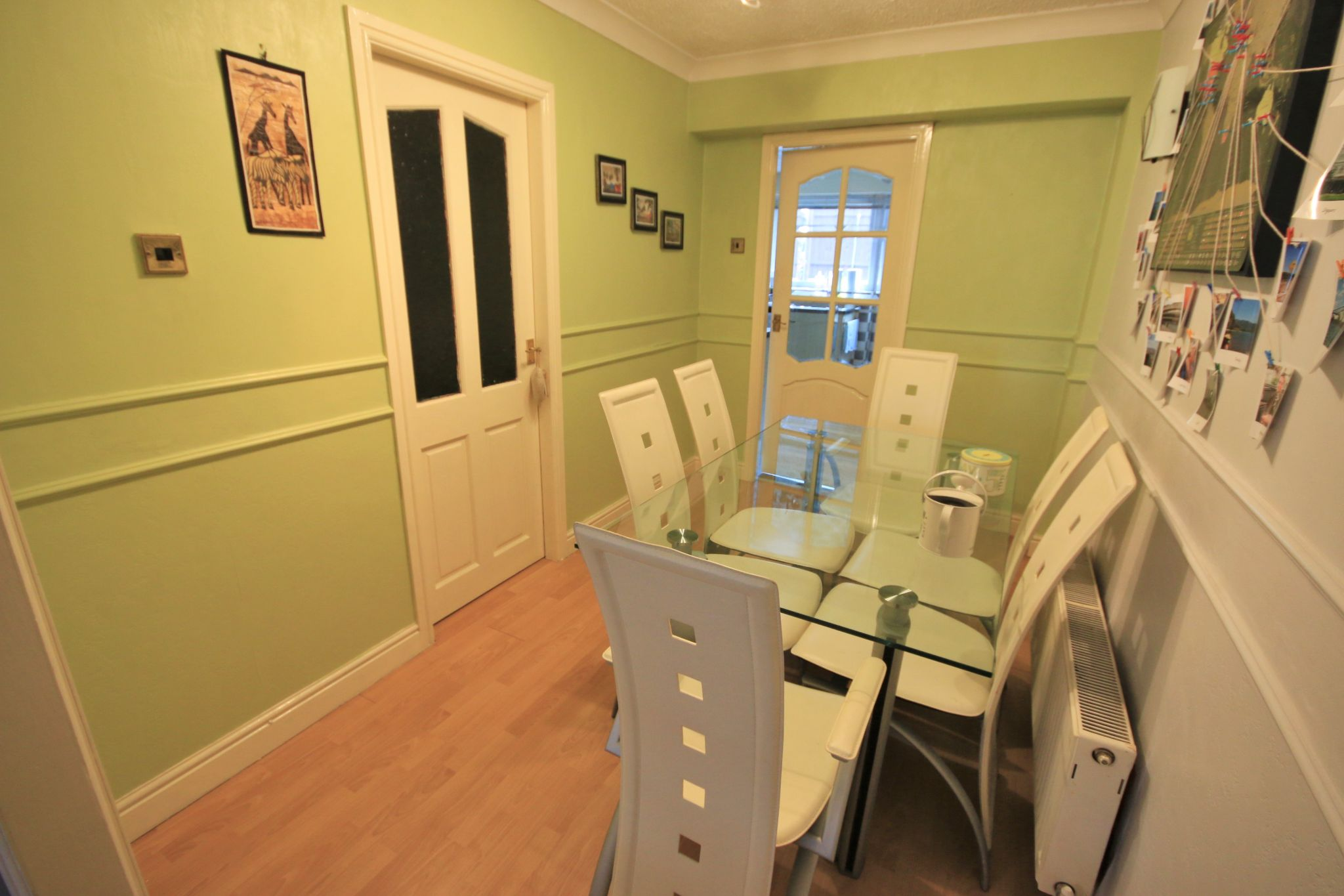 4 Bedroom Mid Terraced House For Sale - Photograph 4